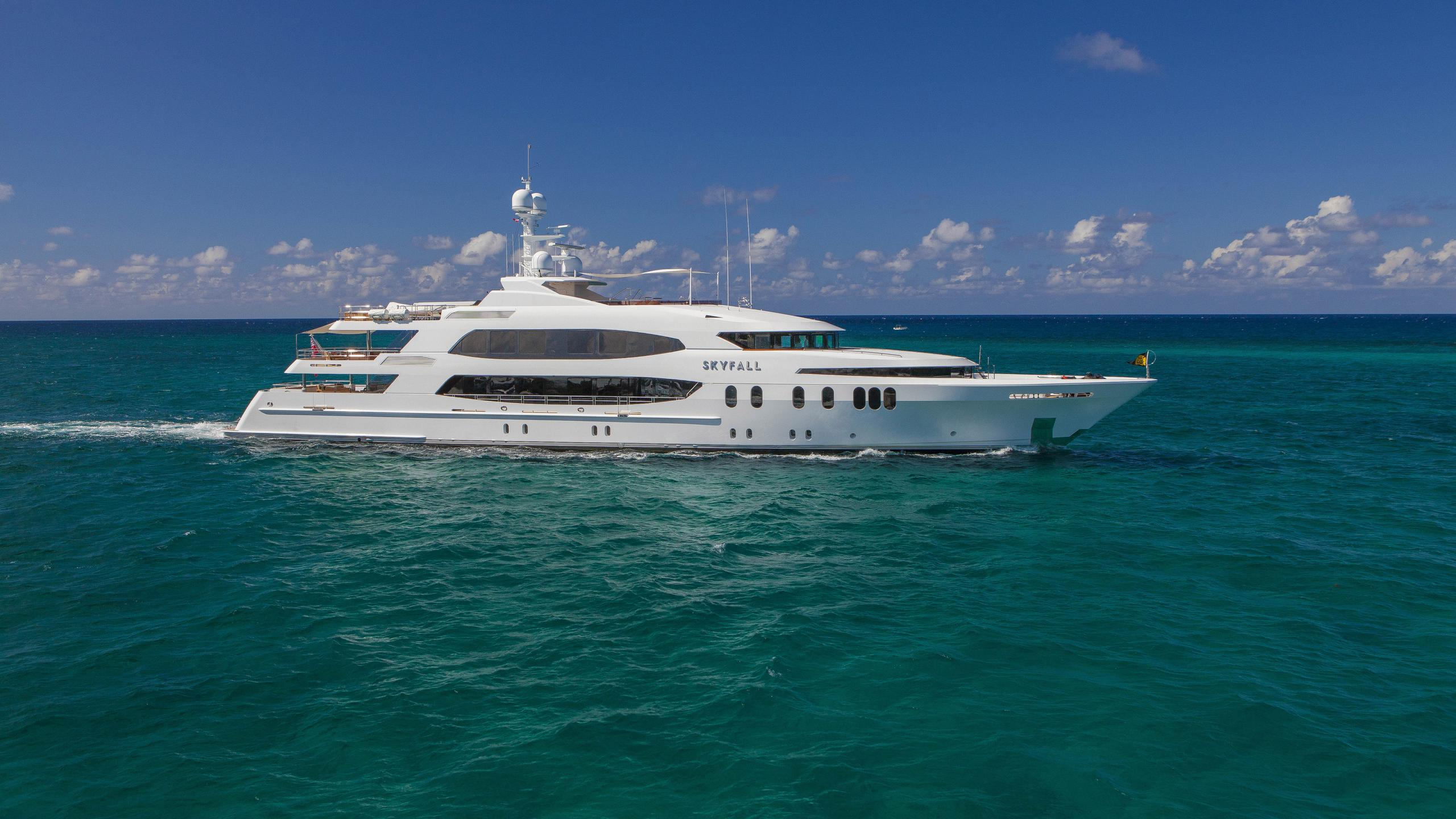 skyfall-yacht-for-sale-profile