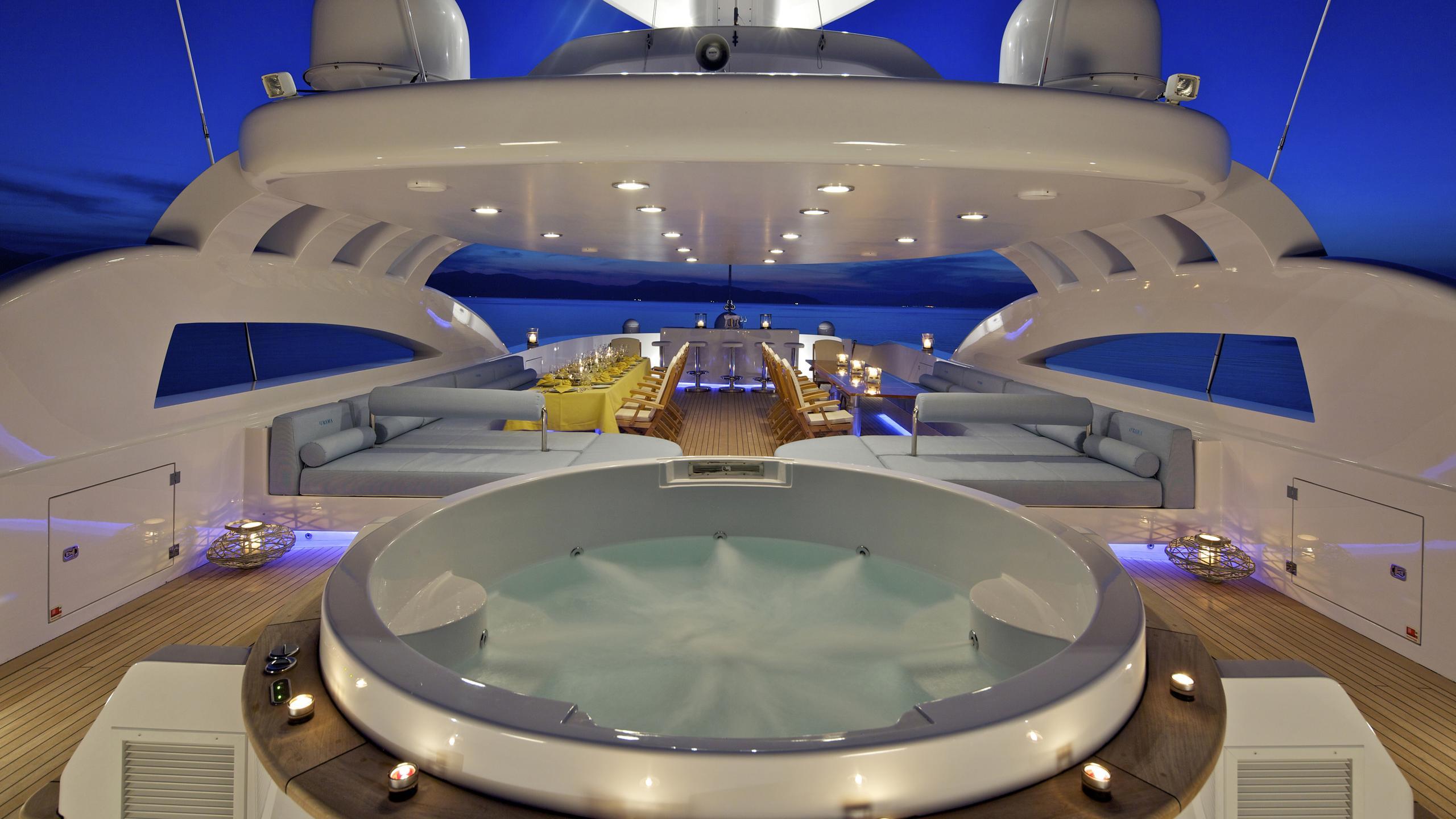 o'rama-yacht-jacuzzi