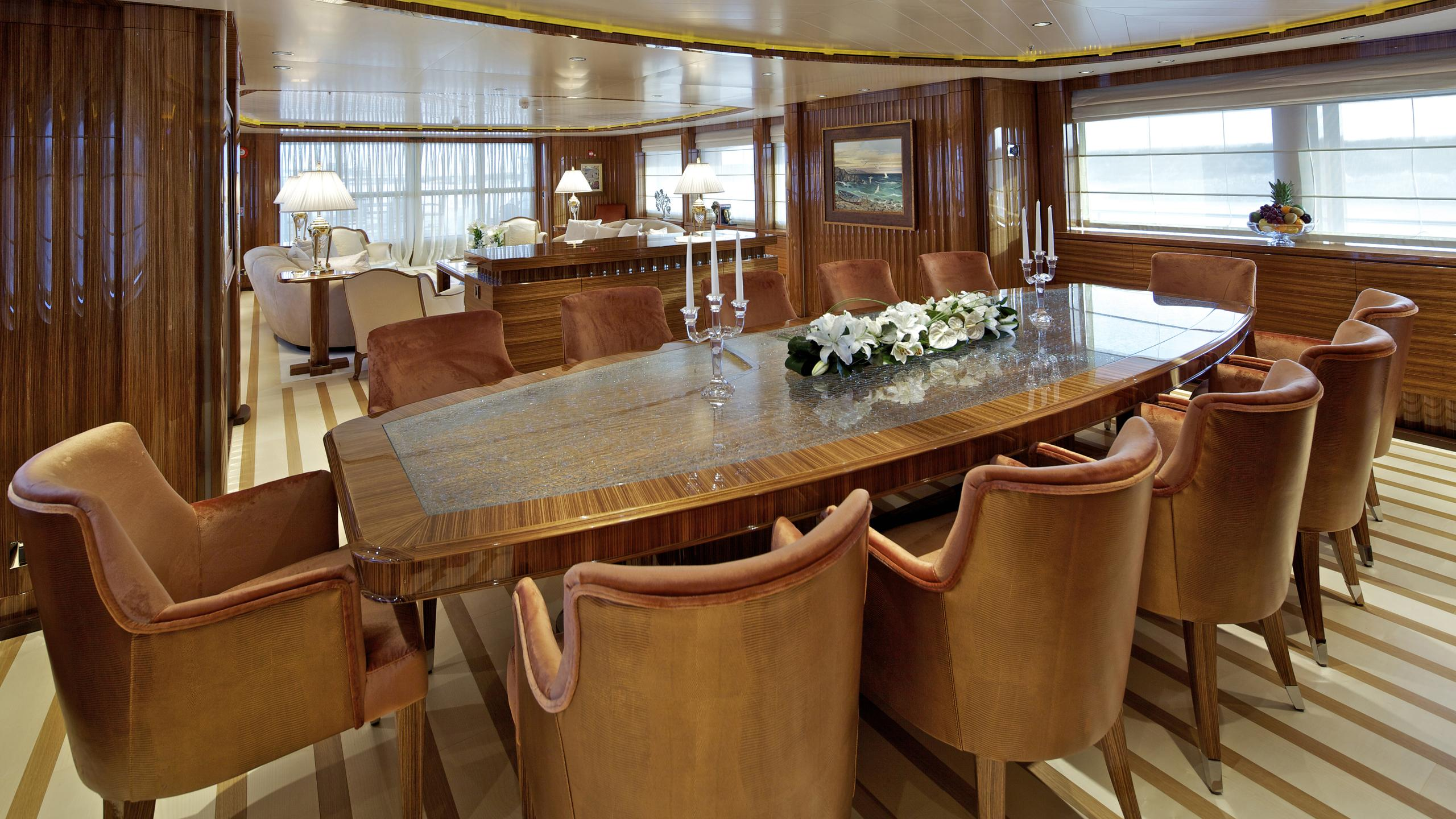 o'rama-yacht-formal-dining