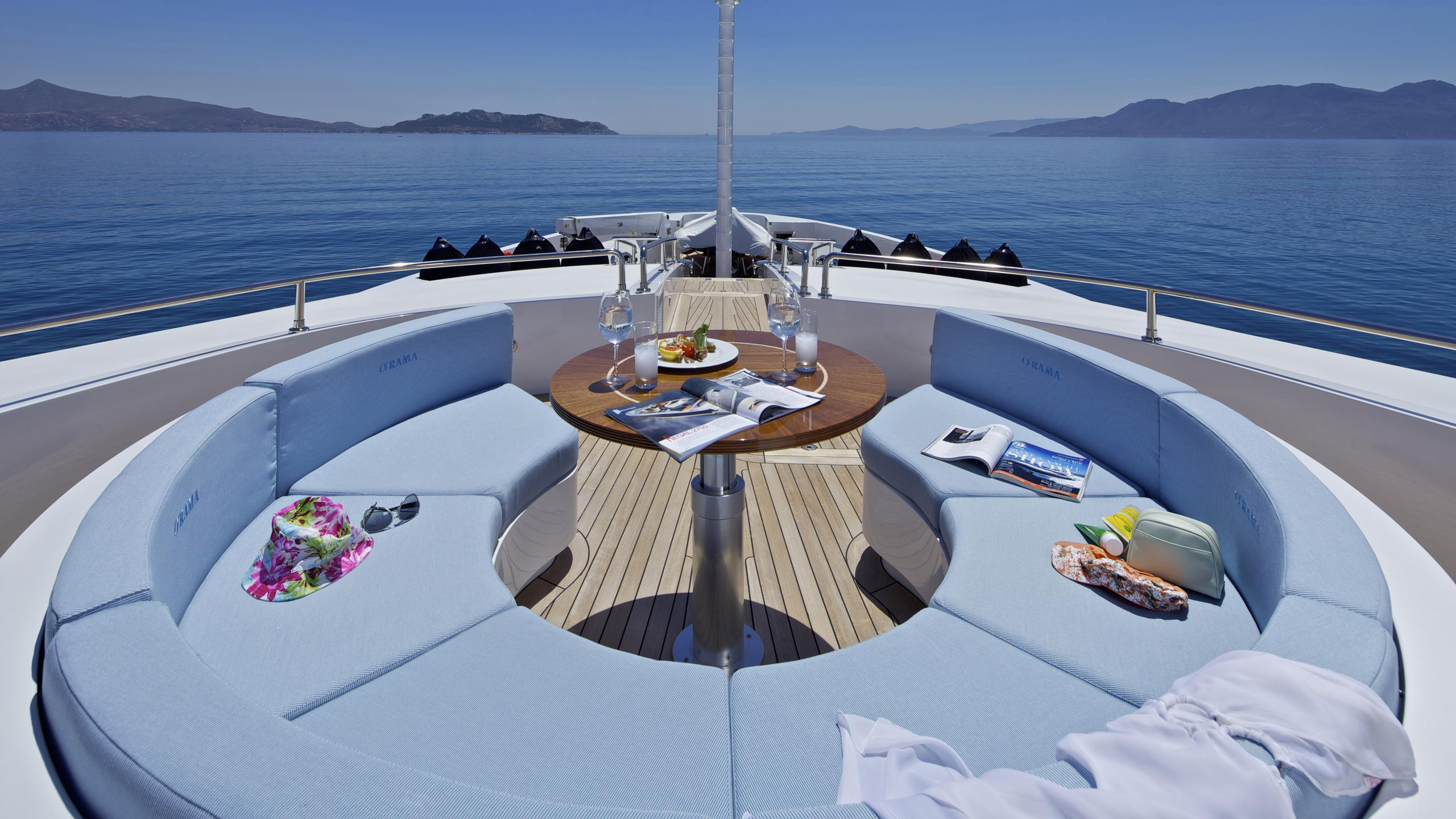 orama-yacht-fore-seating