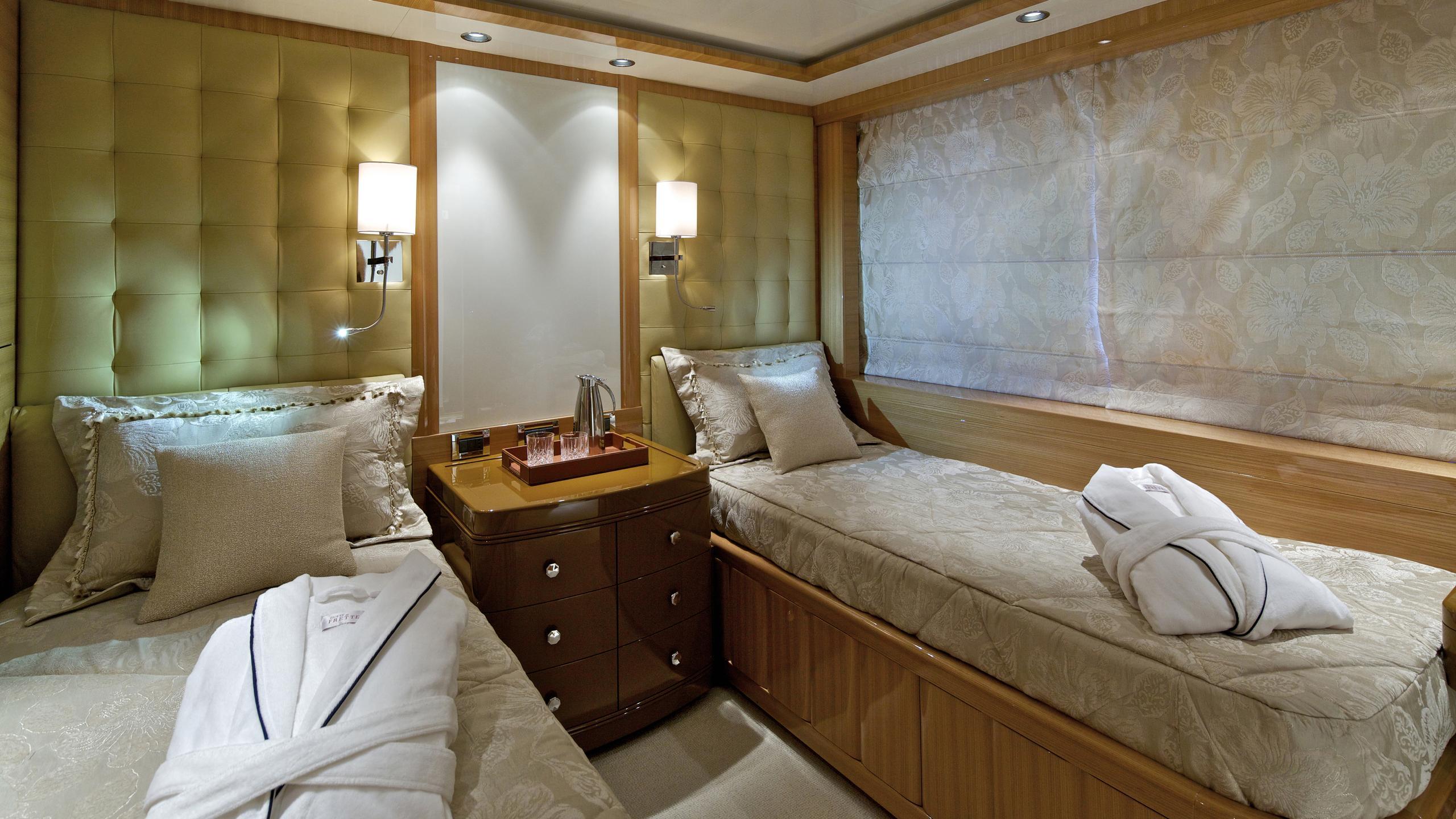 o'rama-yacht-twin-cabin