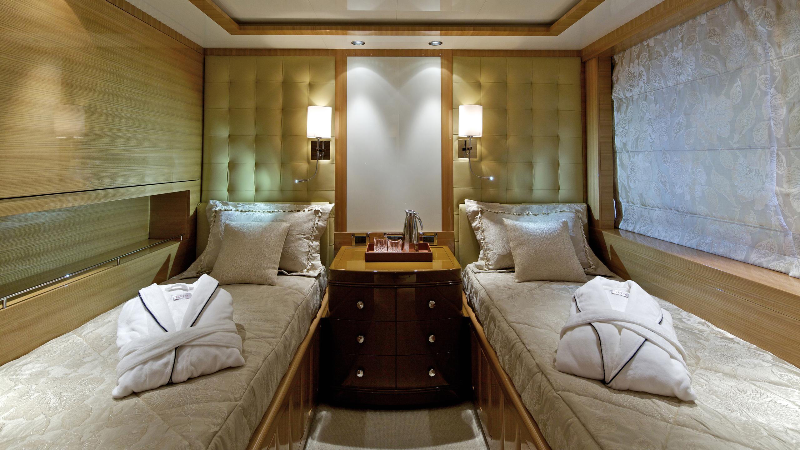 orama-yacht-twin-cabin