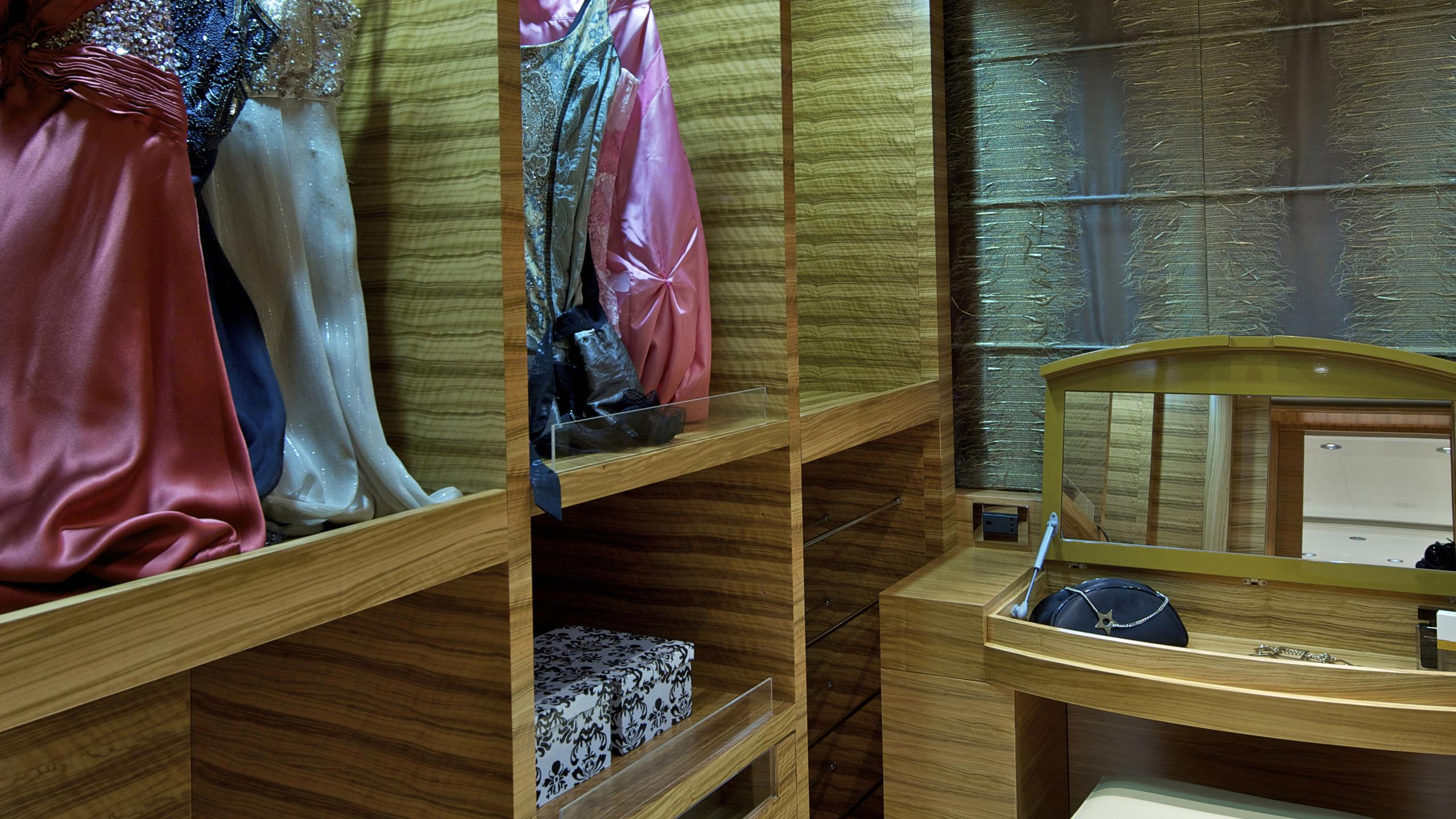o'rama-yacht-master-closet