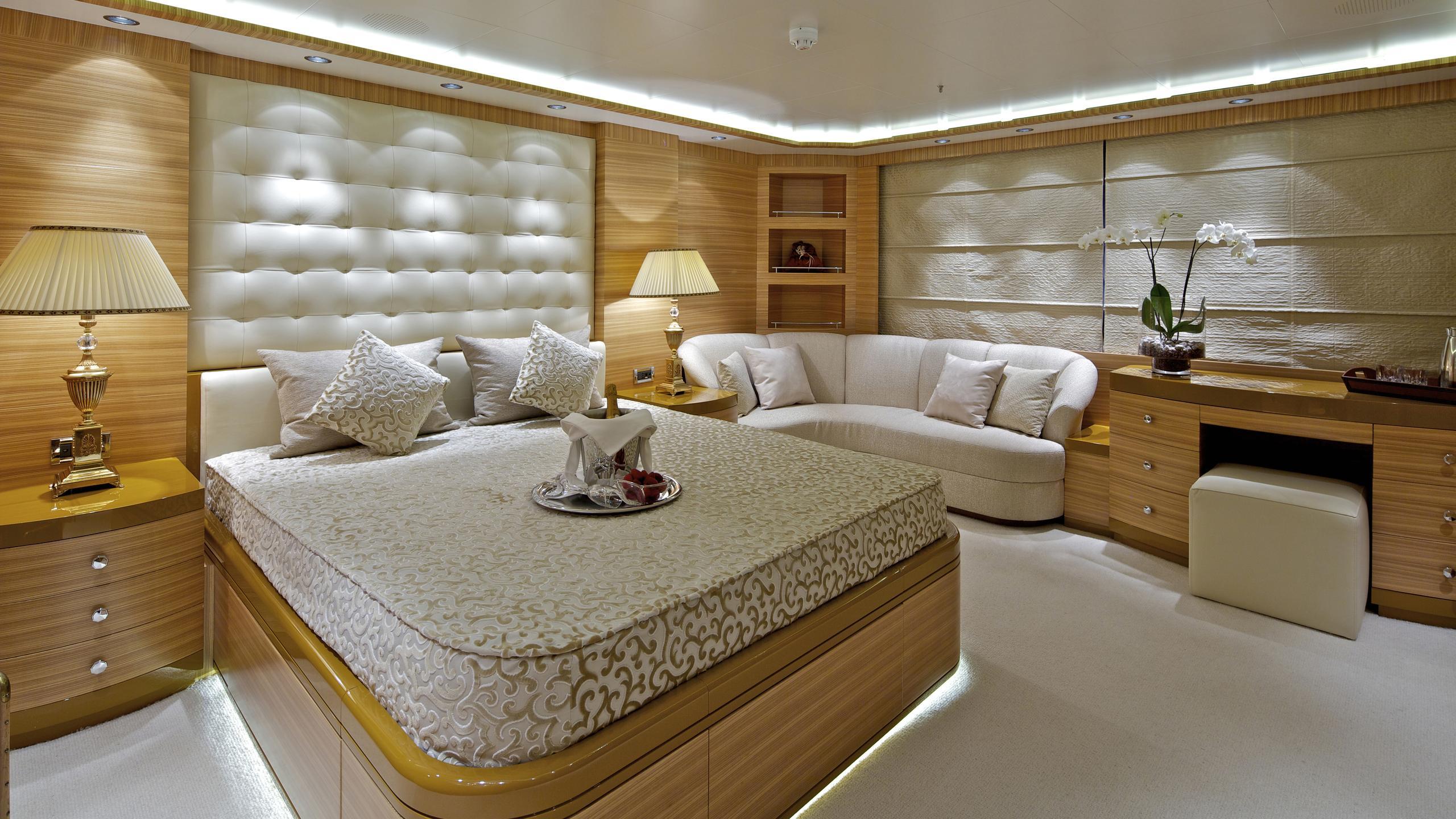 orama-yacht-vip-cabin
