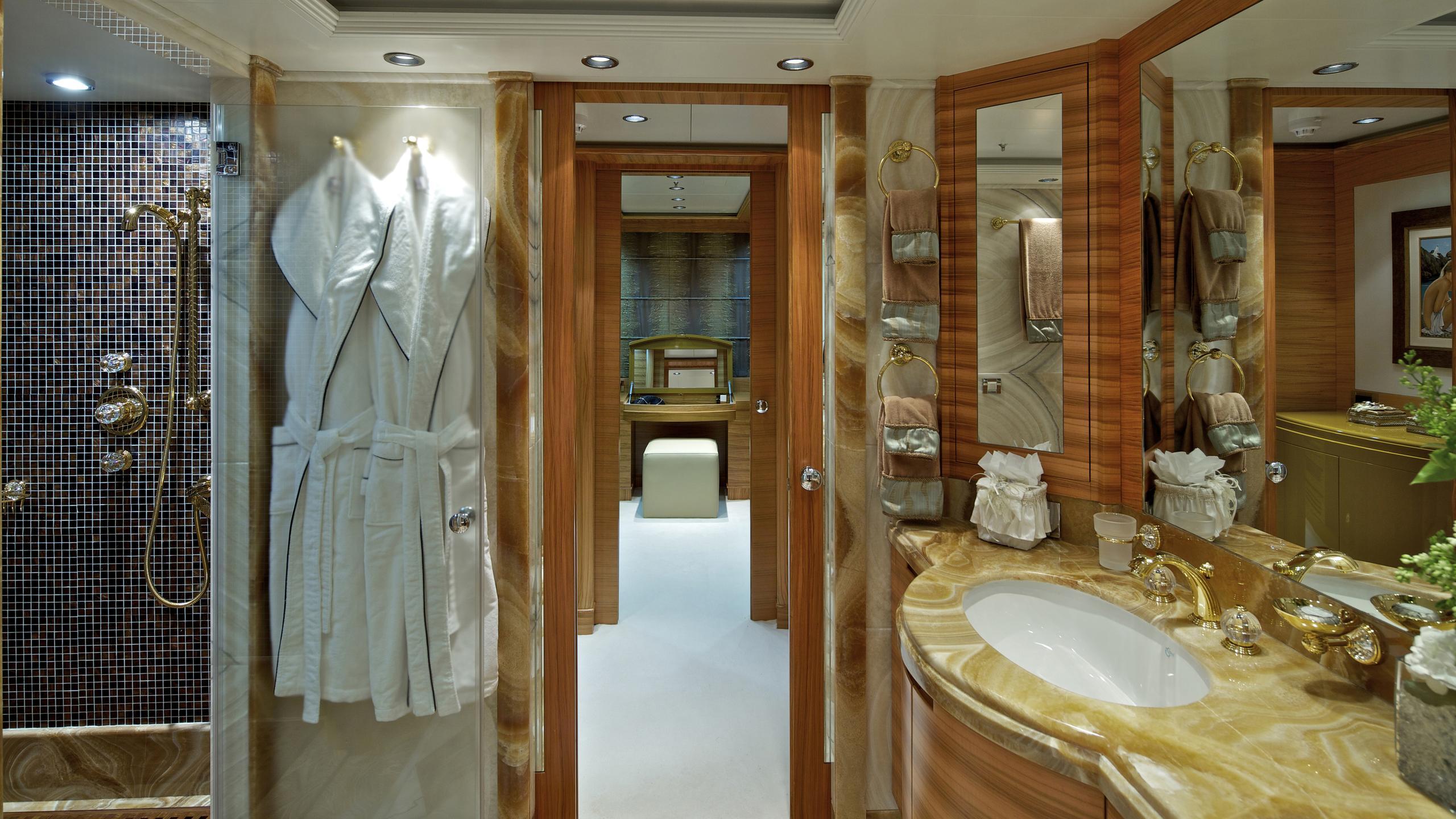 o'rama-yacht-bathroom