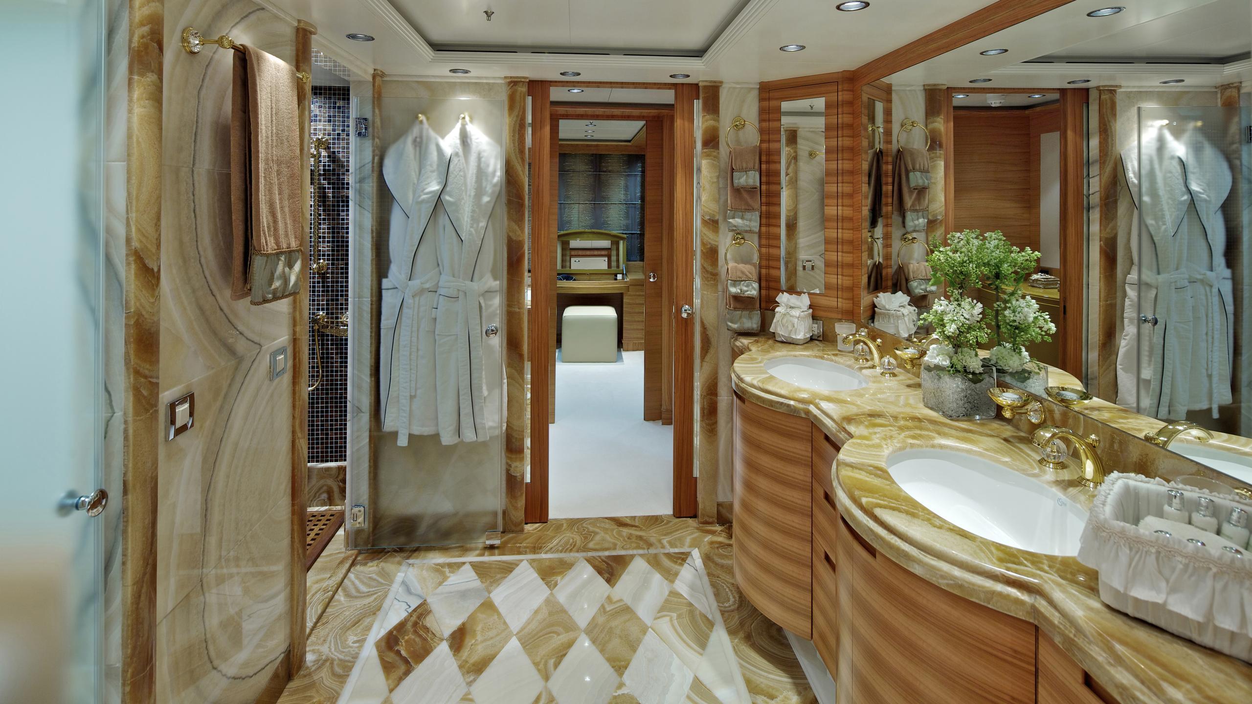 orama-yacht-master-bathroom