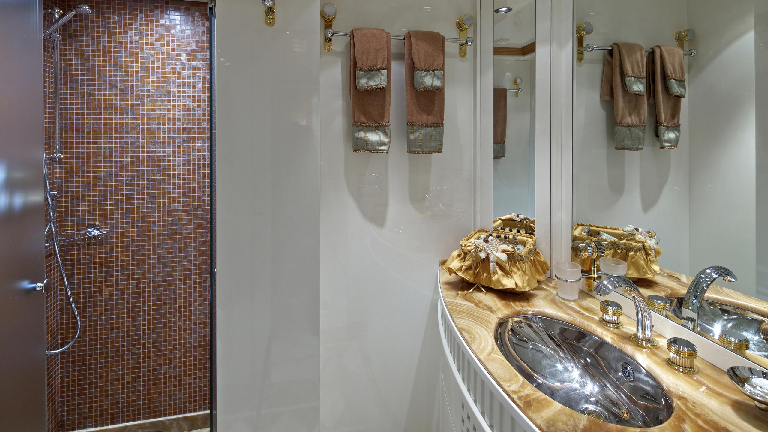 orama-yacht-bathroom