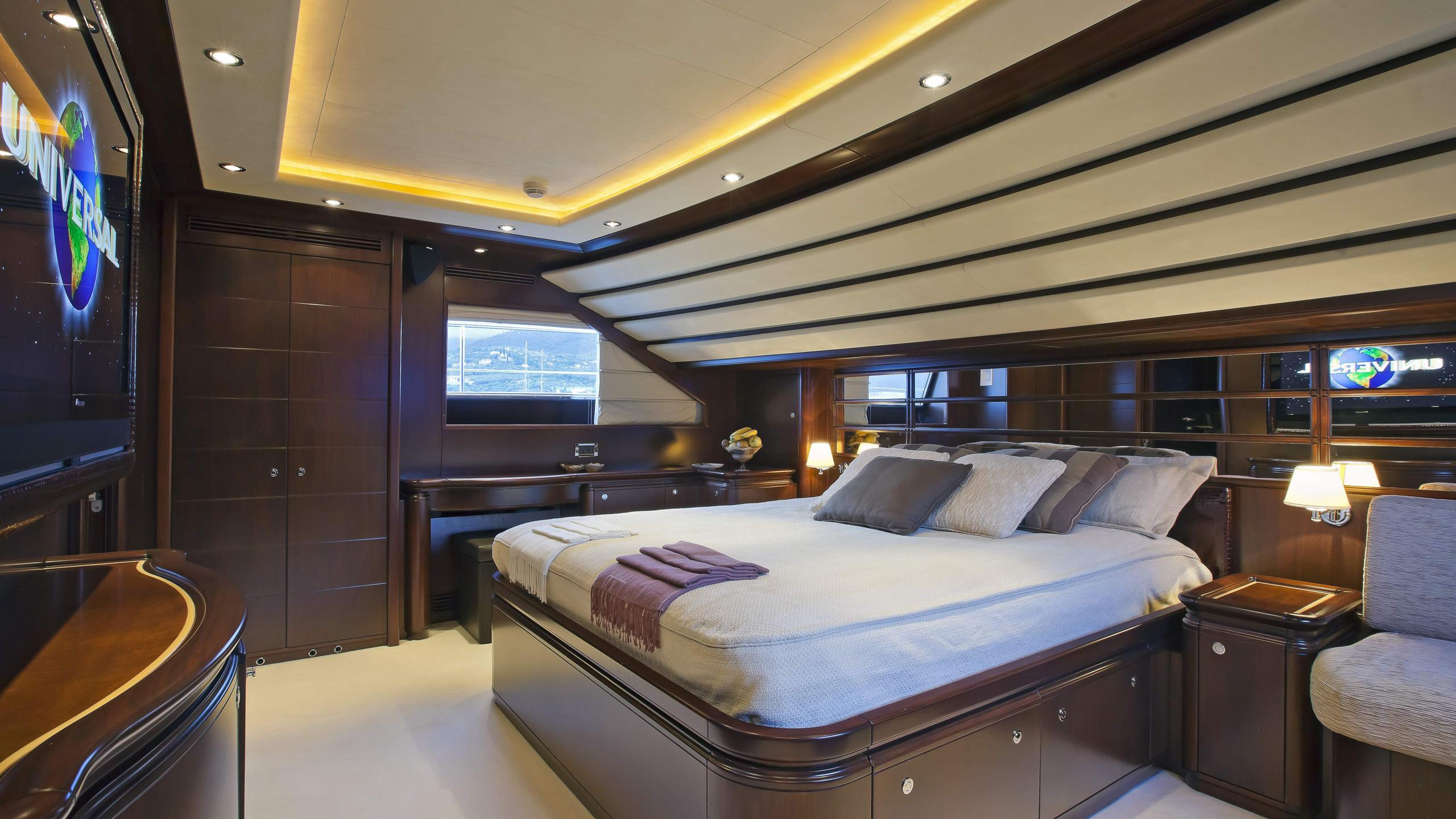 lady-maria-yacht-double-cabin