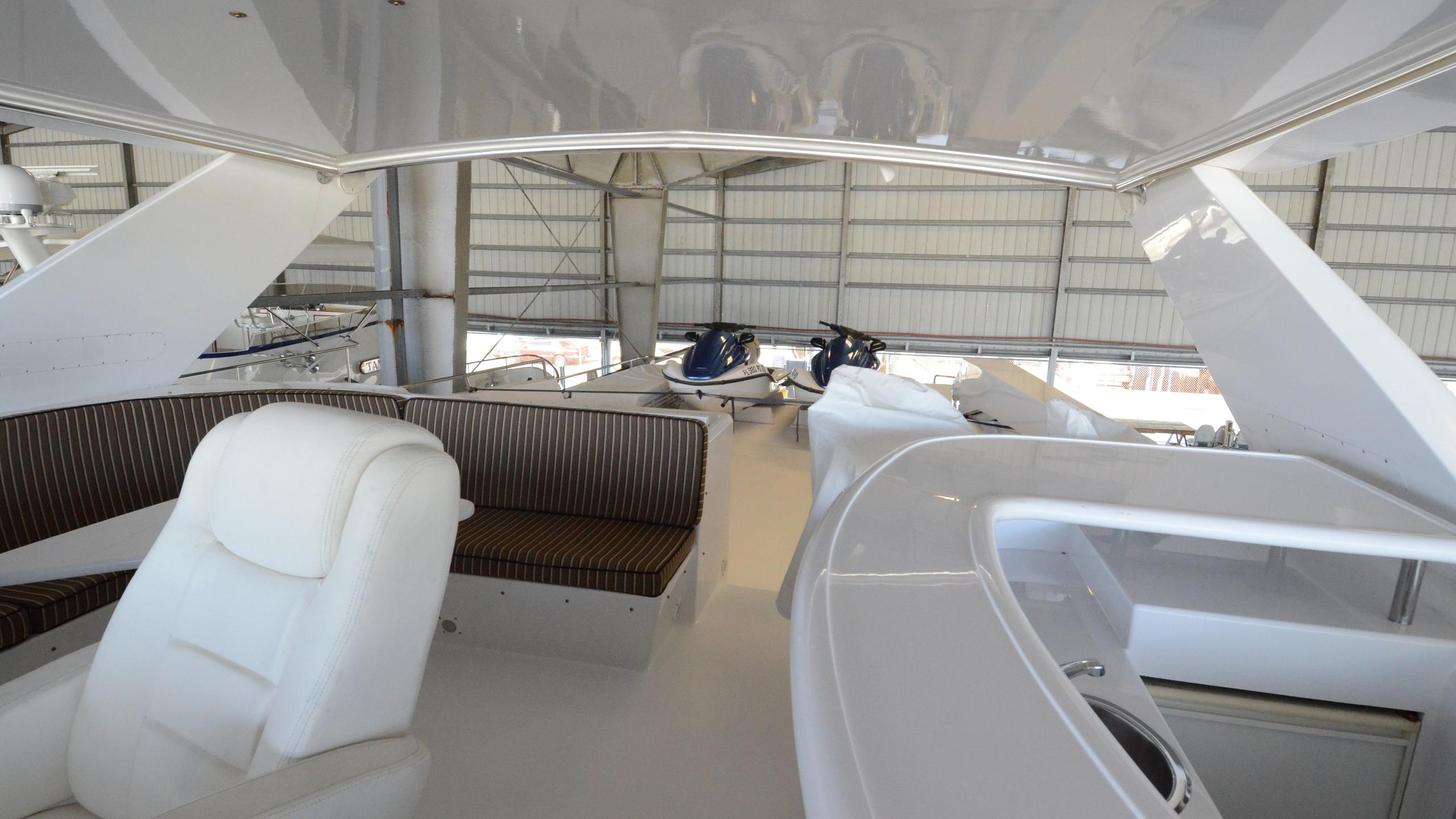 cloud-9-yacht-fly-deck