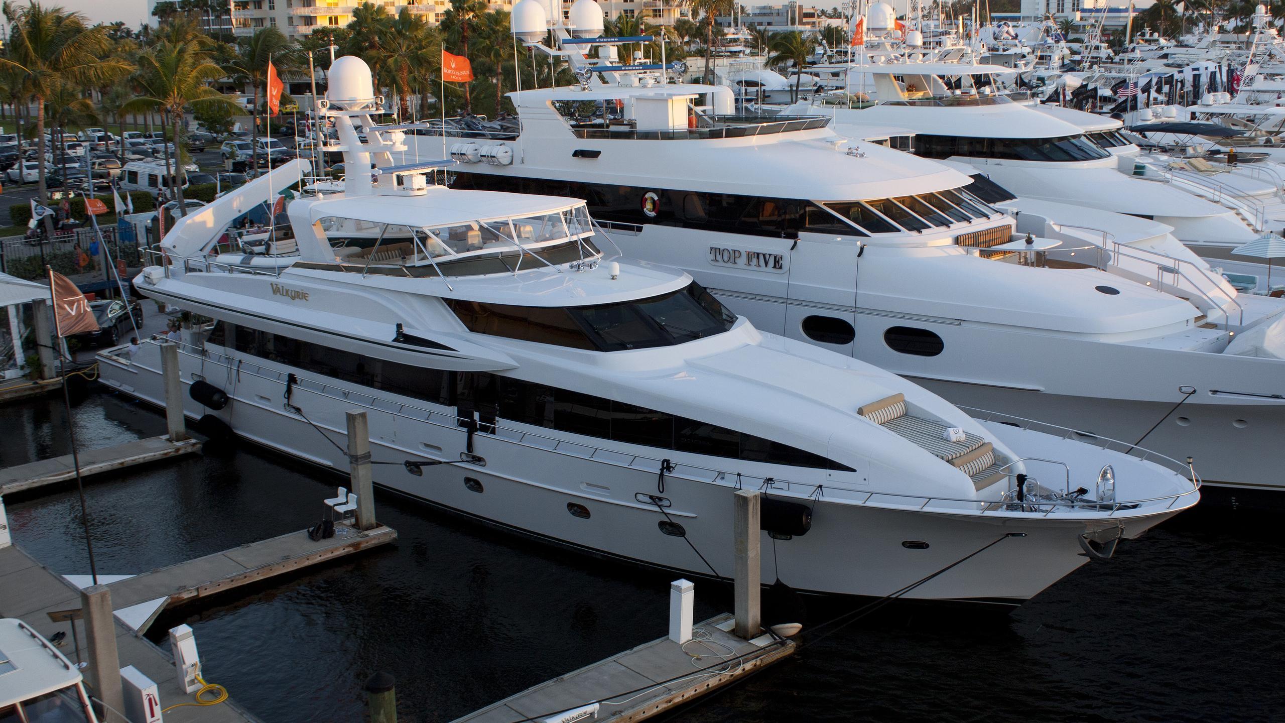 valkyrie-yacht-exterior