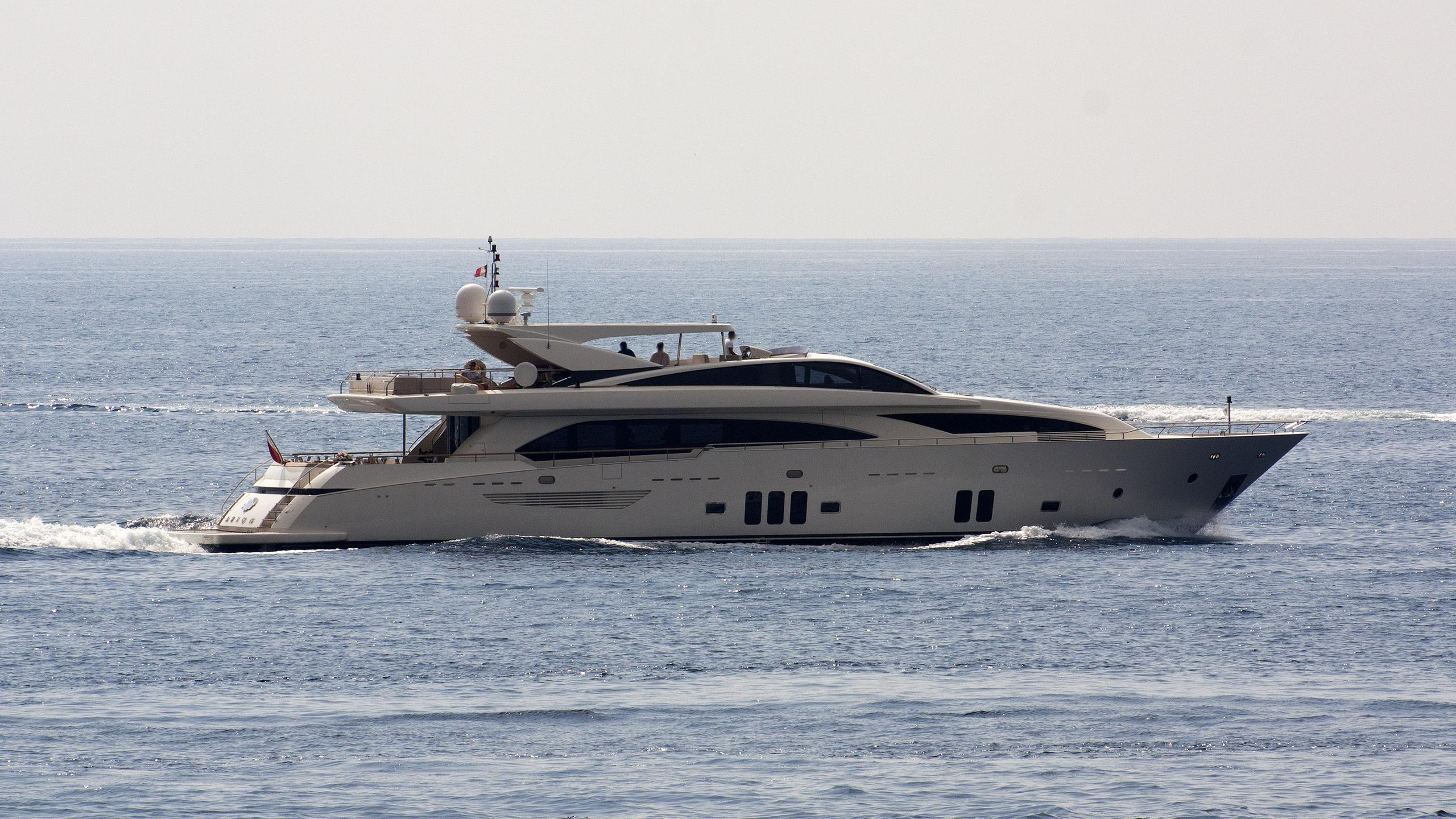 arion-yacht-exterior