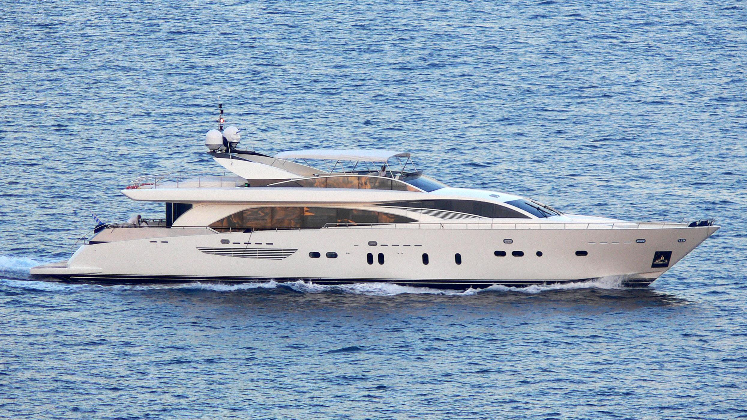sabieha-yacht-exterior