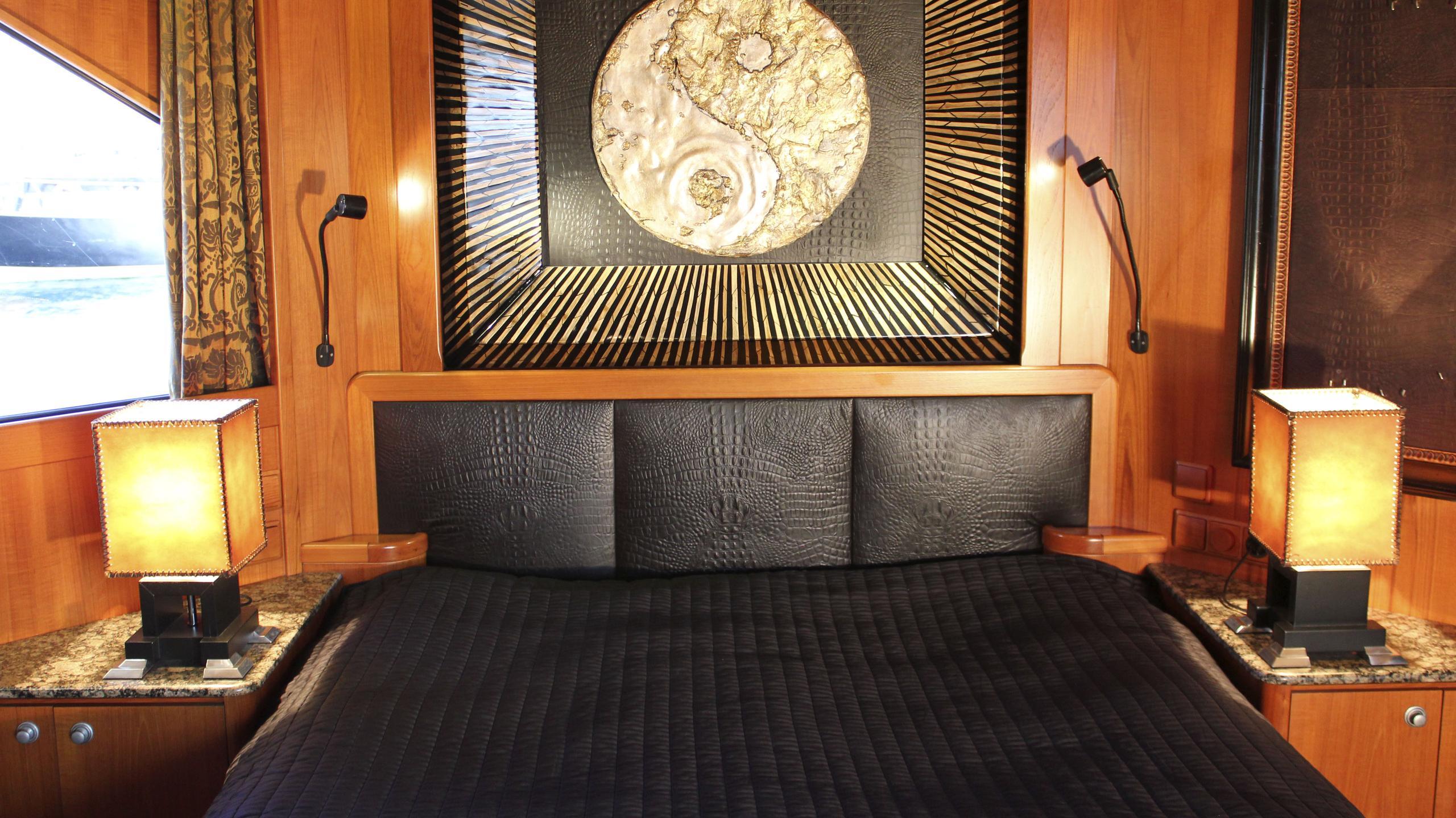miami-blues-yacht-double-cabin