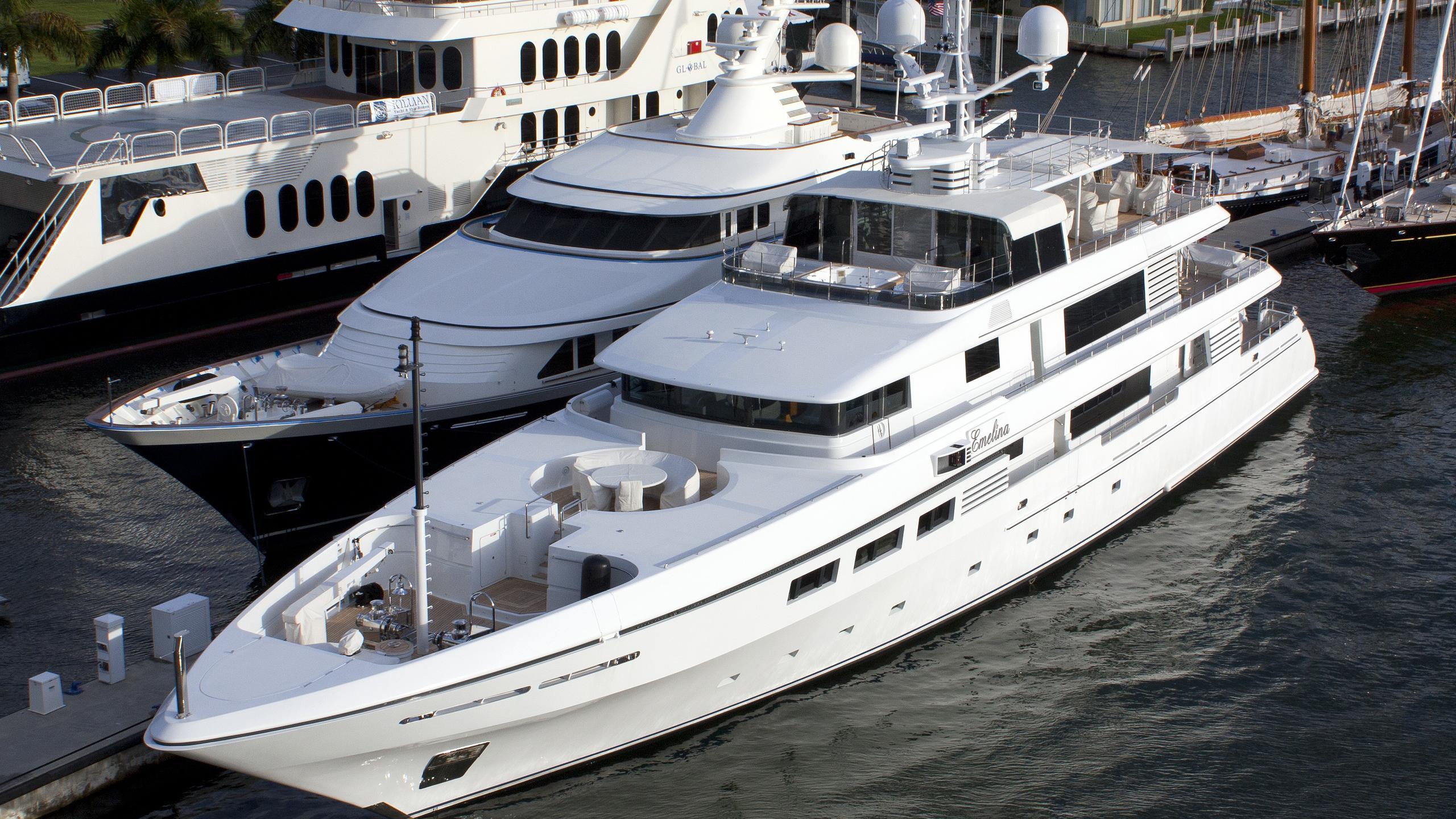 emelina-yacht-exterior