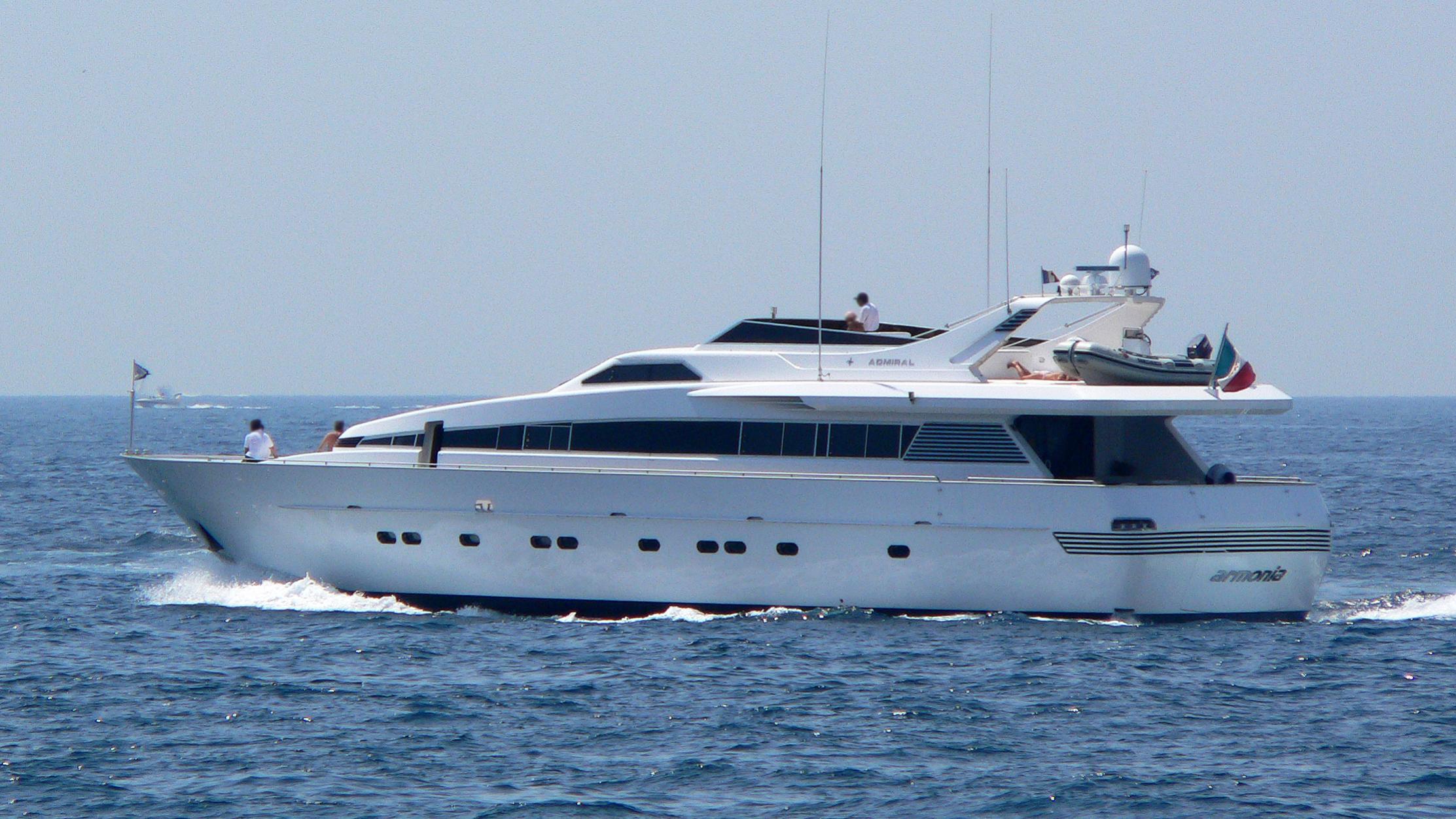 armonia-yacht-exterior