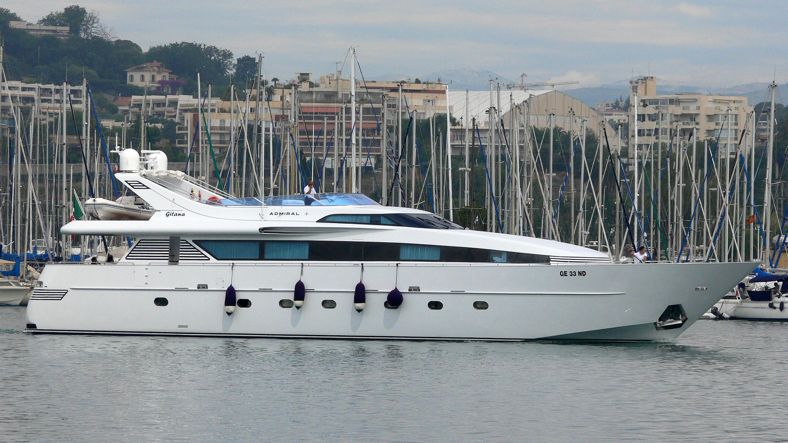 gitan-yacht-exterior