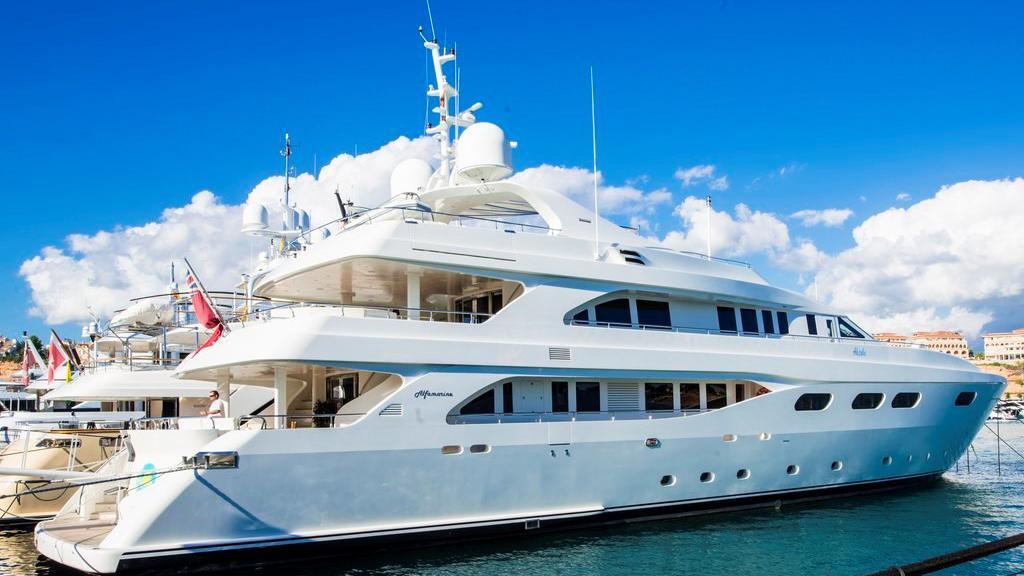 aktobe-yacht-for-sale-profile