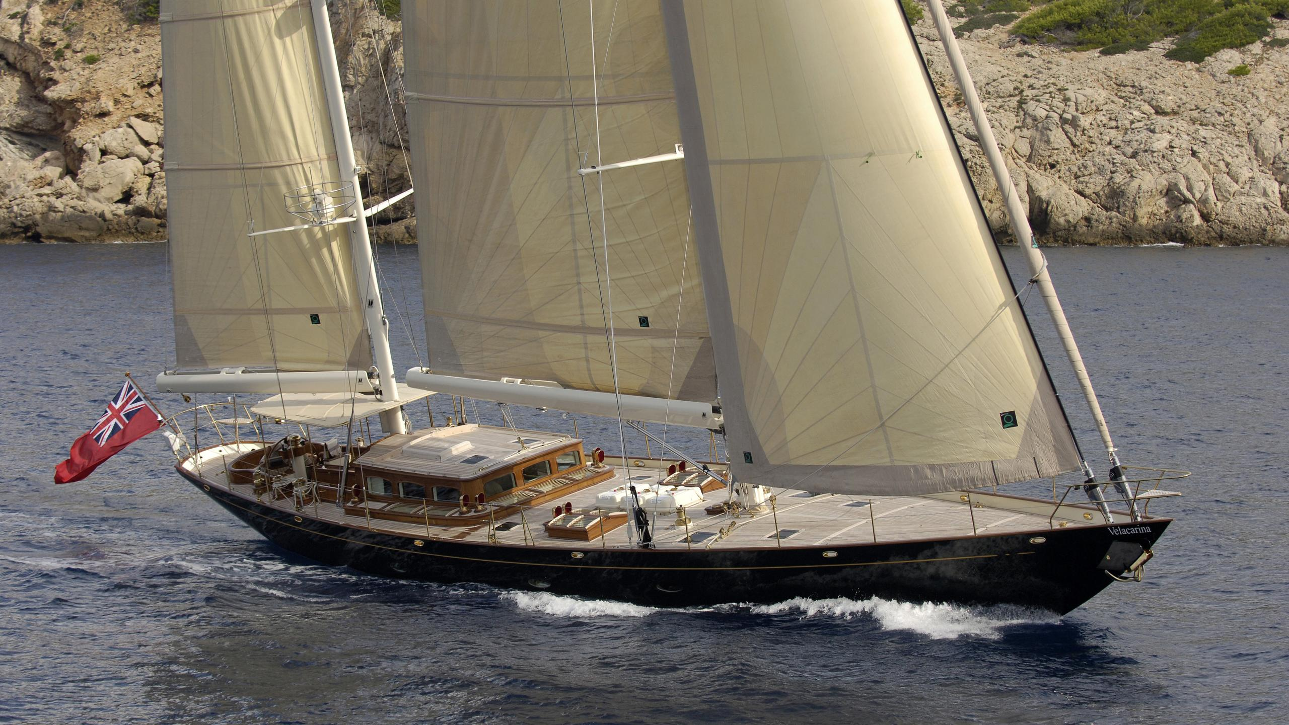 velacarina-yacht-sailing