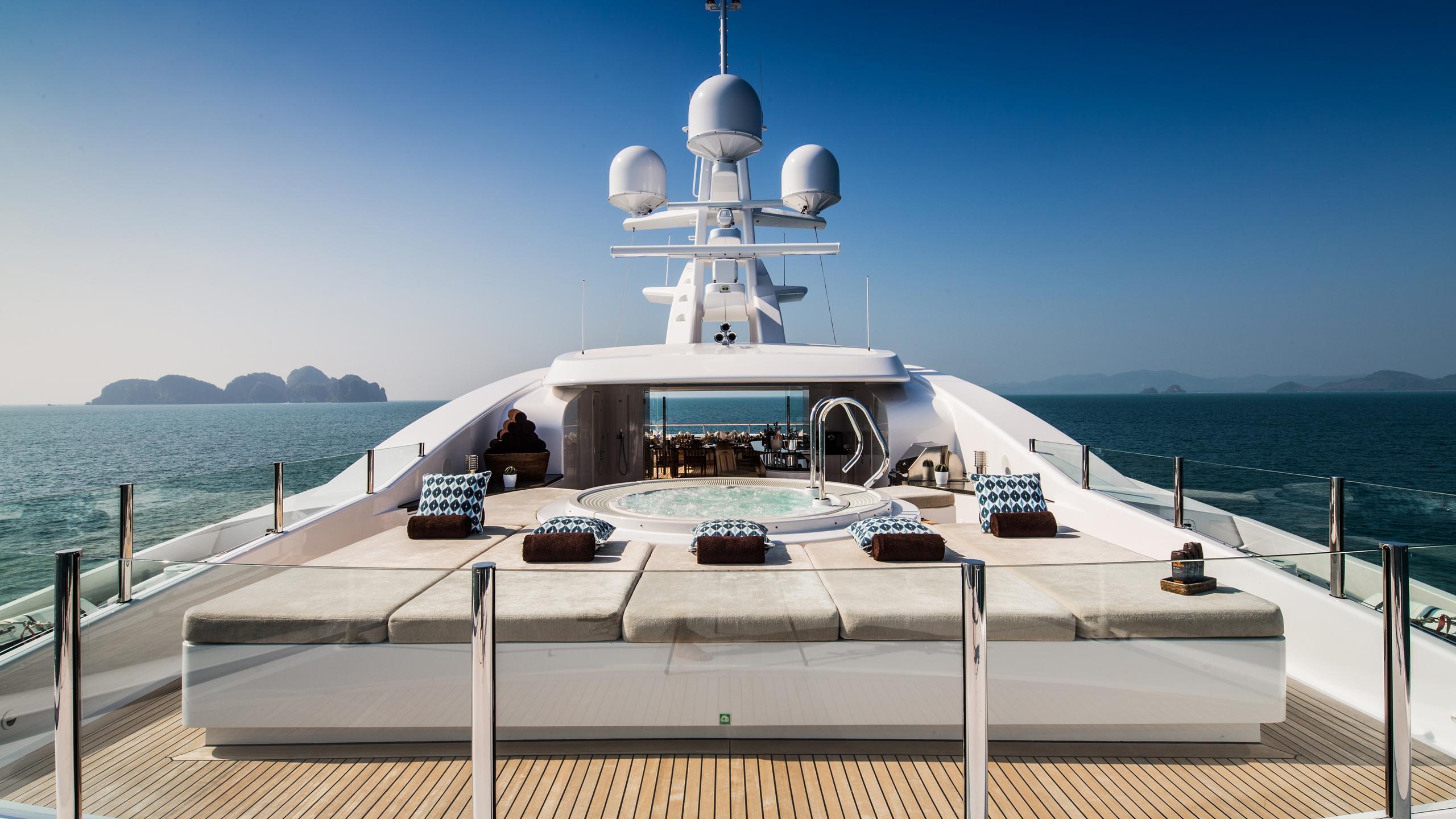 cloud-9-yacht-sun-deck