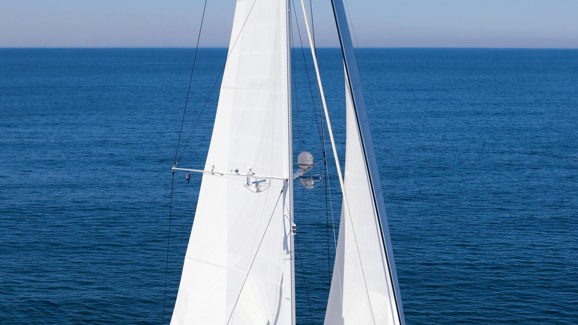 necker-belle-yacht-sailing