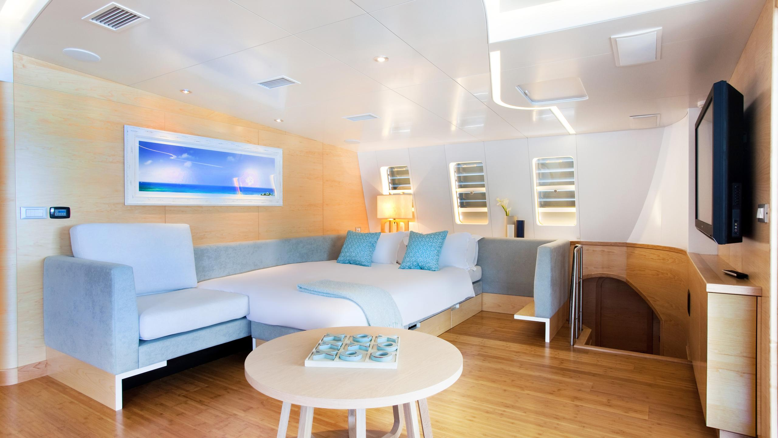 necker-belle-yacht-cabin