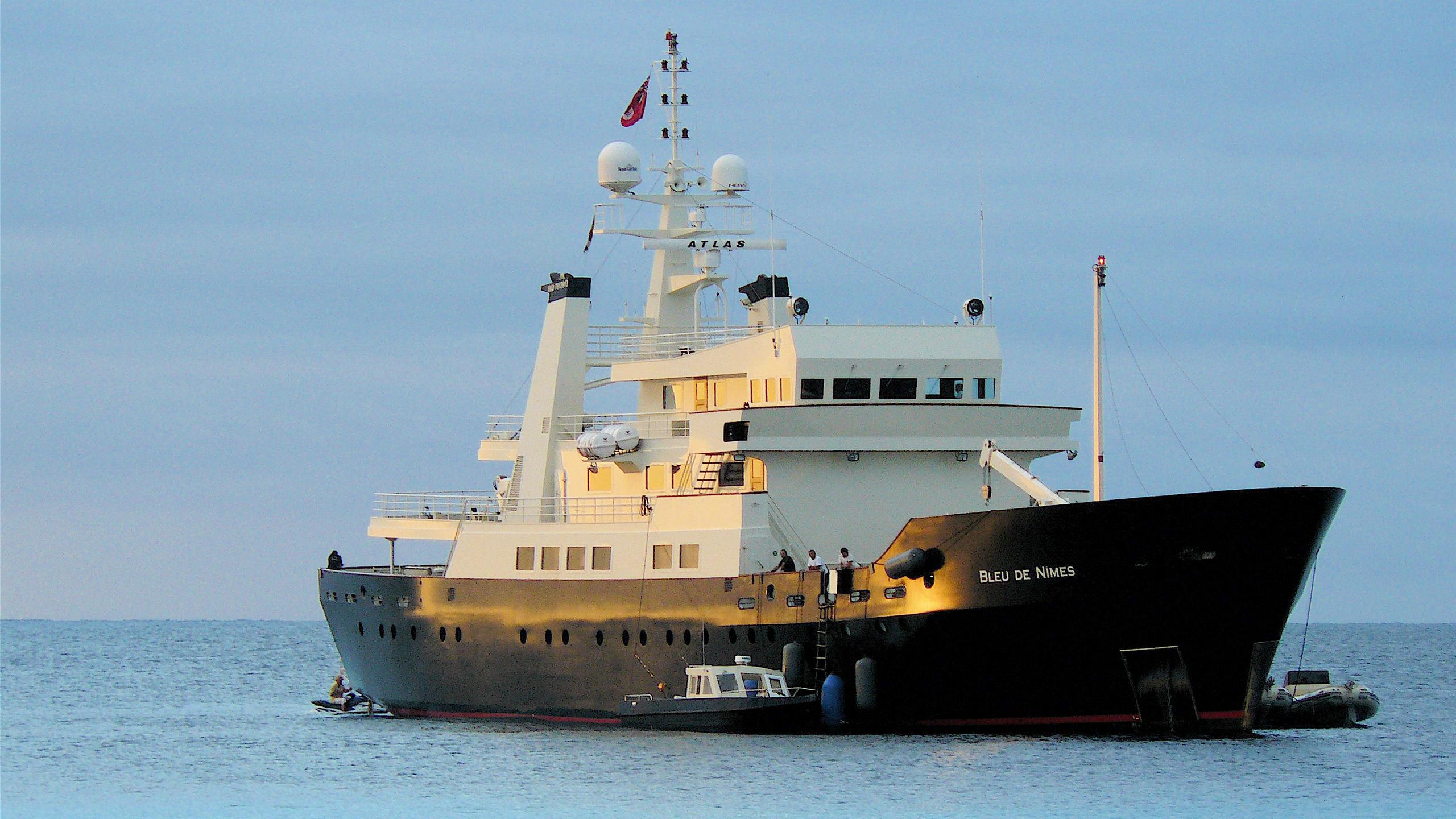 Bleu-De-Nimes-yacht-profile
