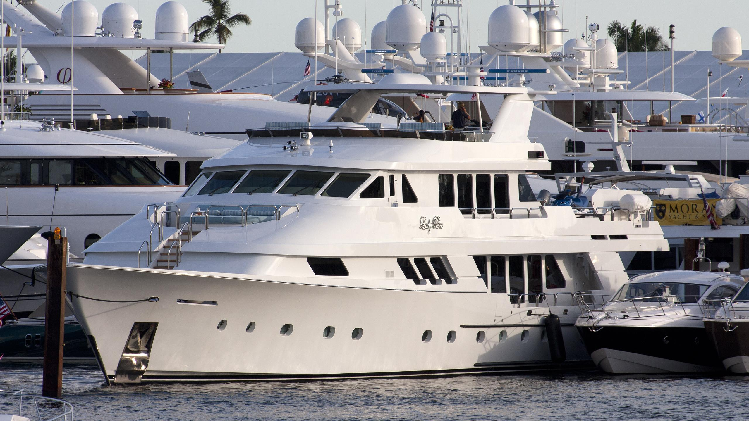 lady-bee-yacht-exterior