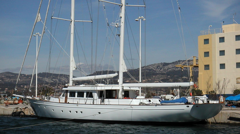 queen-nefertiti-yacht-exterior
