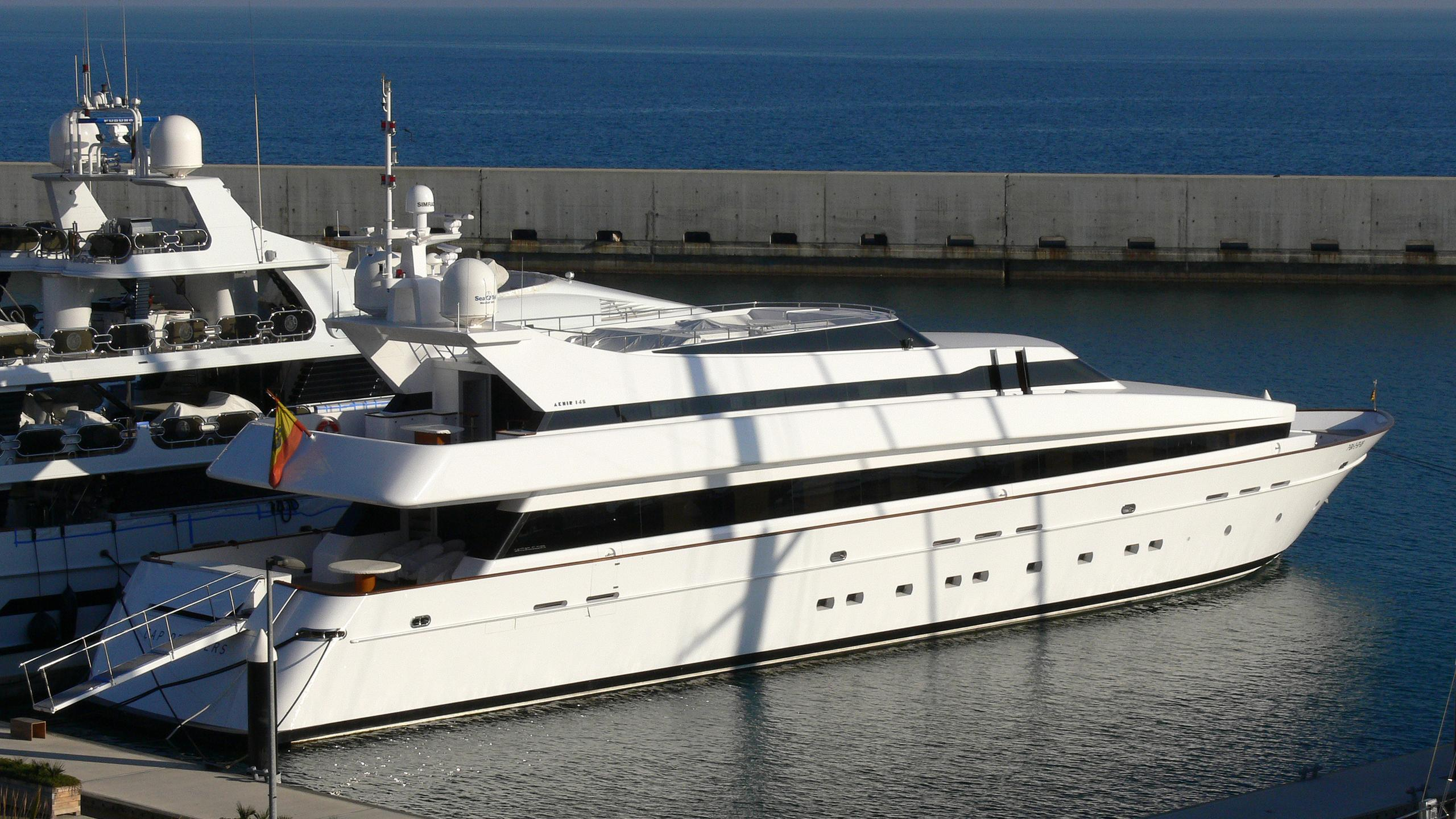 cap-de-quers-yacht-exterior