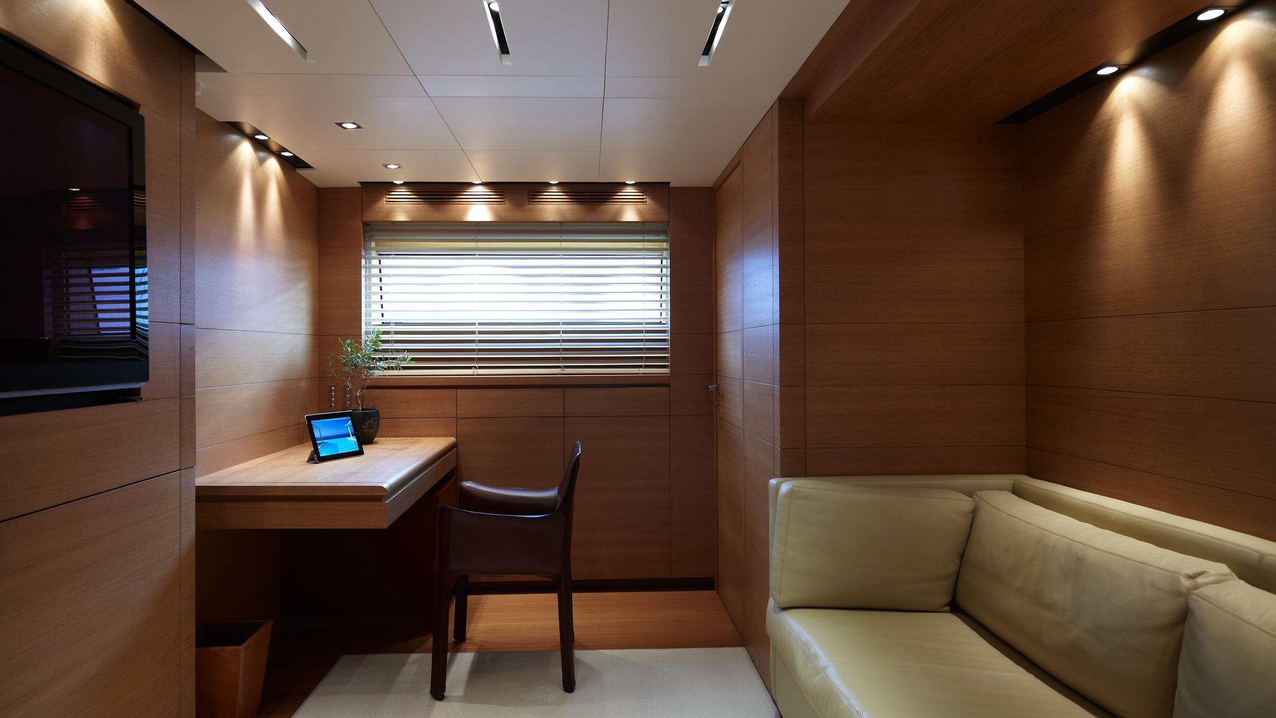 feligo-v-yacht-study