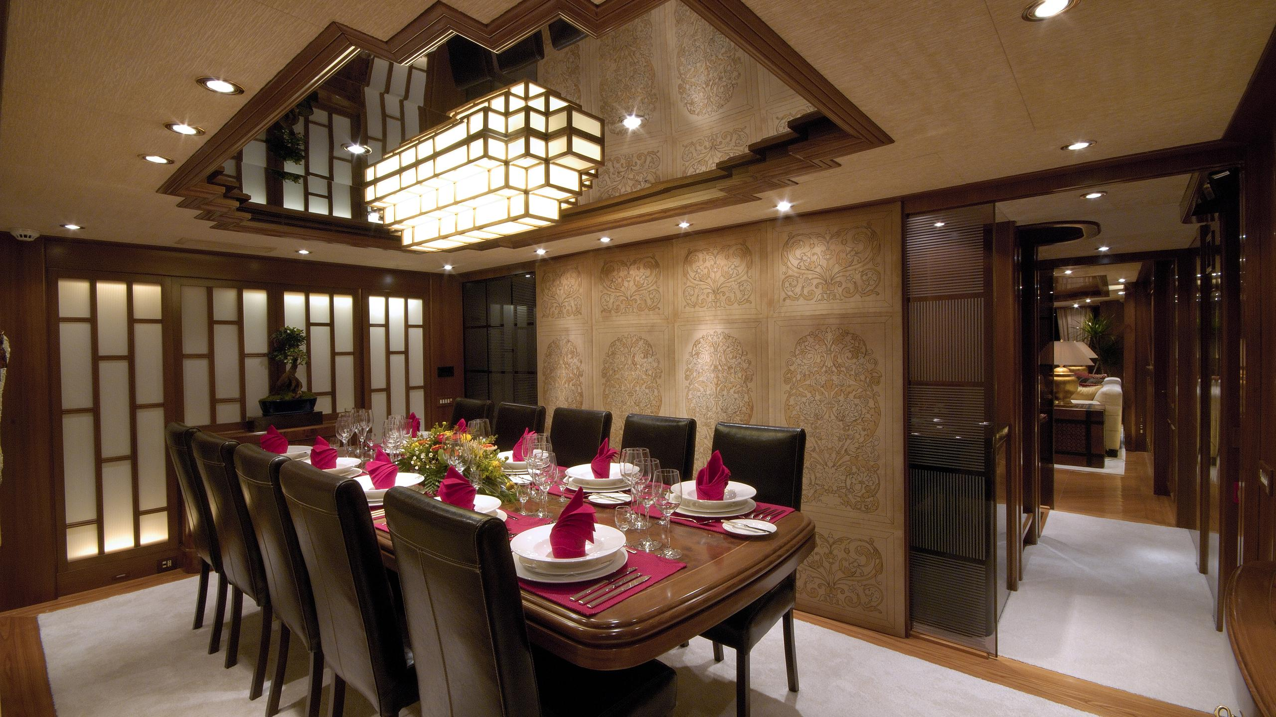 pollux-yacht-formal-dining