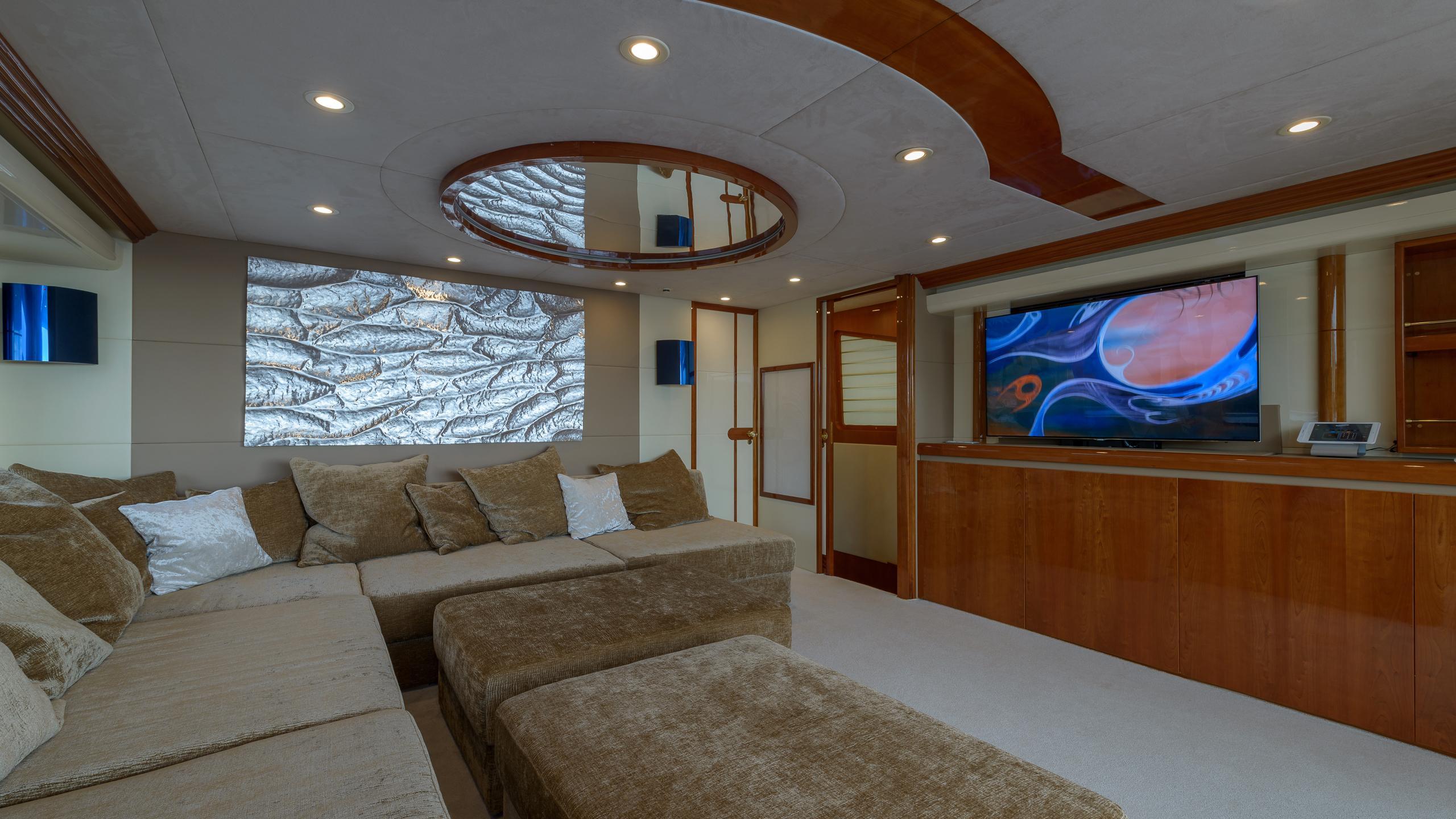 novela-yacht-sky-lounge