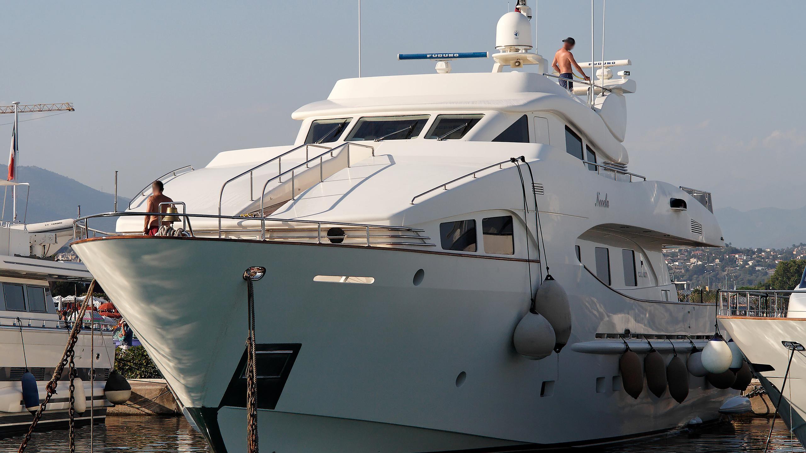 novela-yacht-exterior