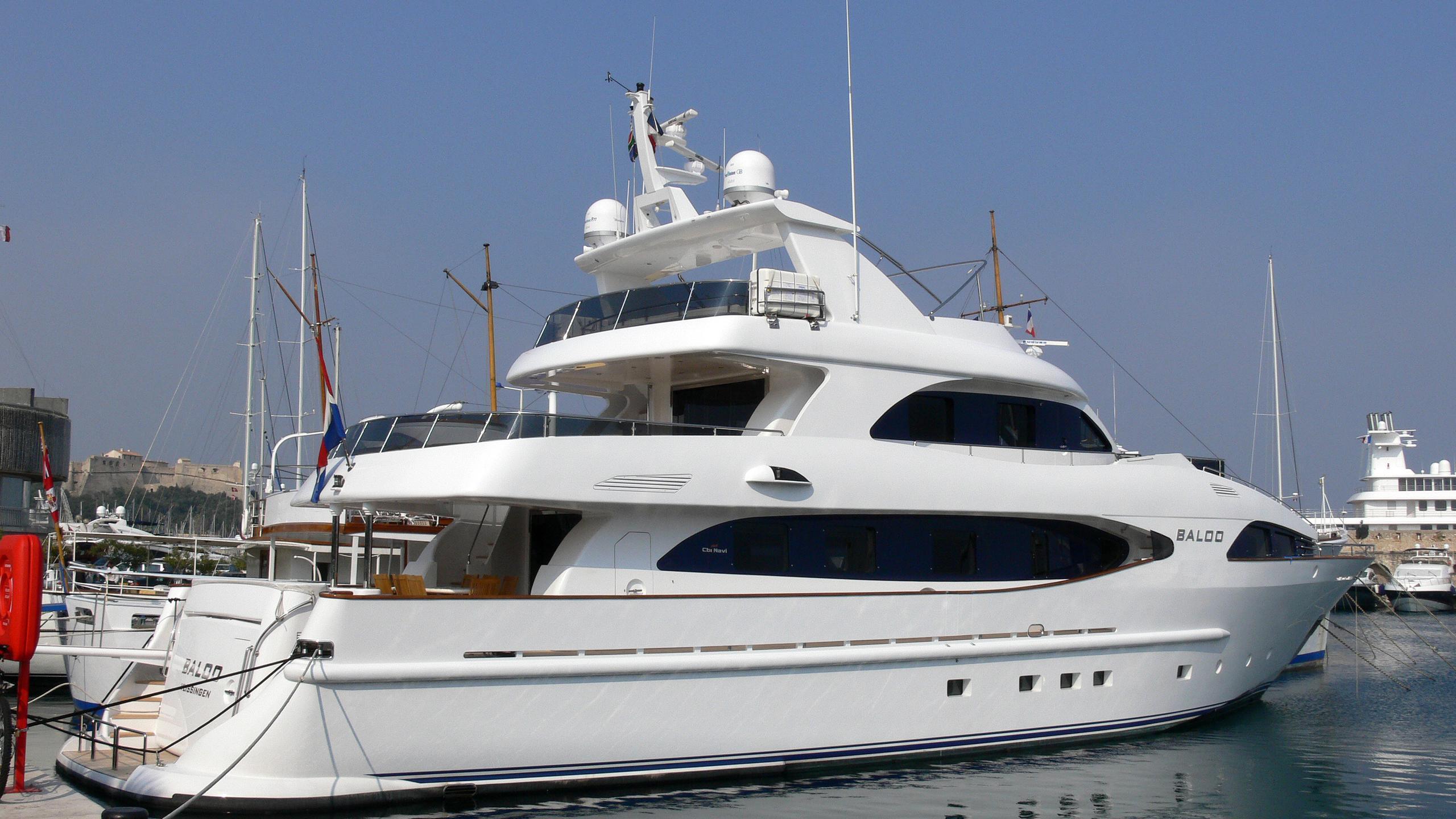 baloo-yacht-exterior