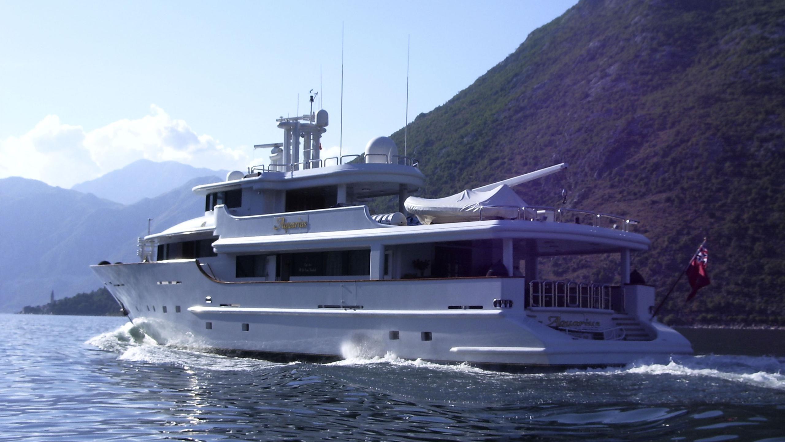 aquarius-yacht-cruising