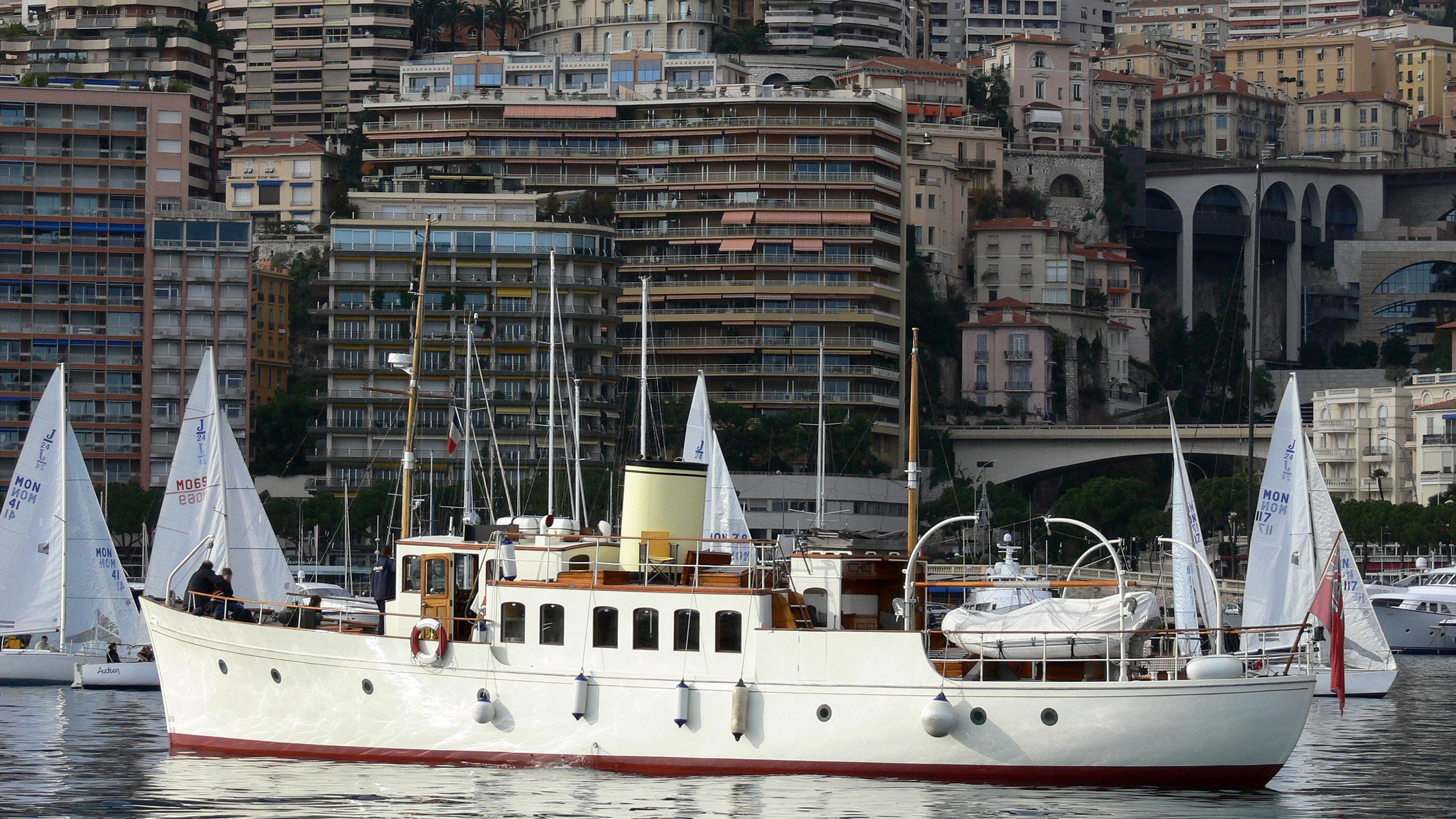bystander-of-man-yacht-exterior