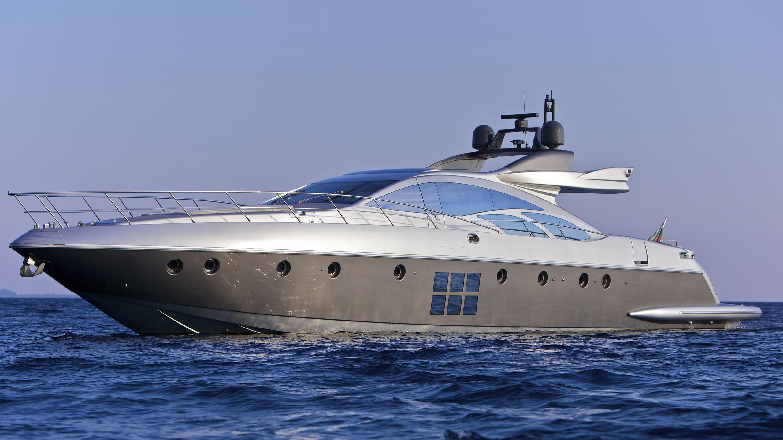thea-malta-yacht-at-sea