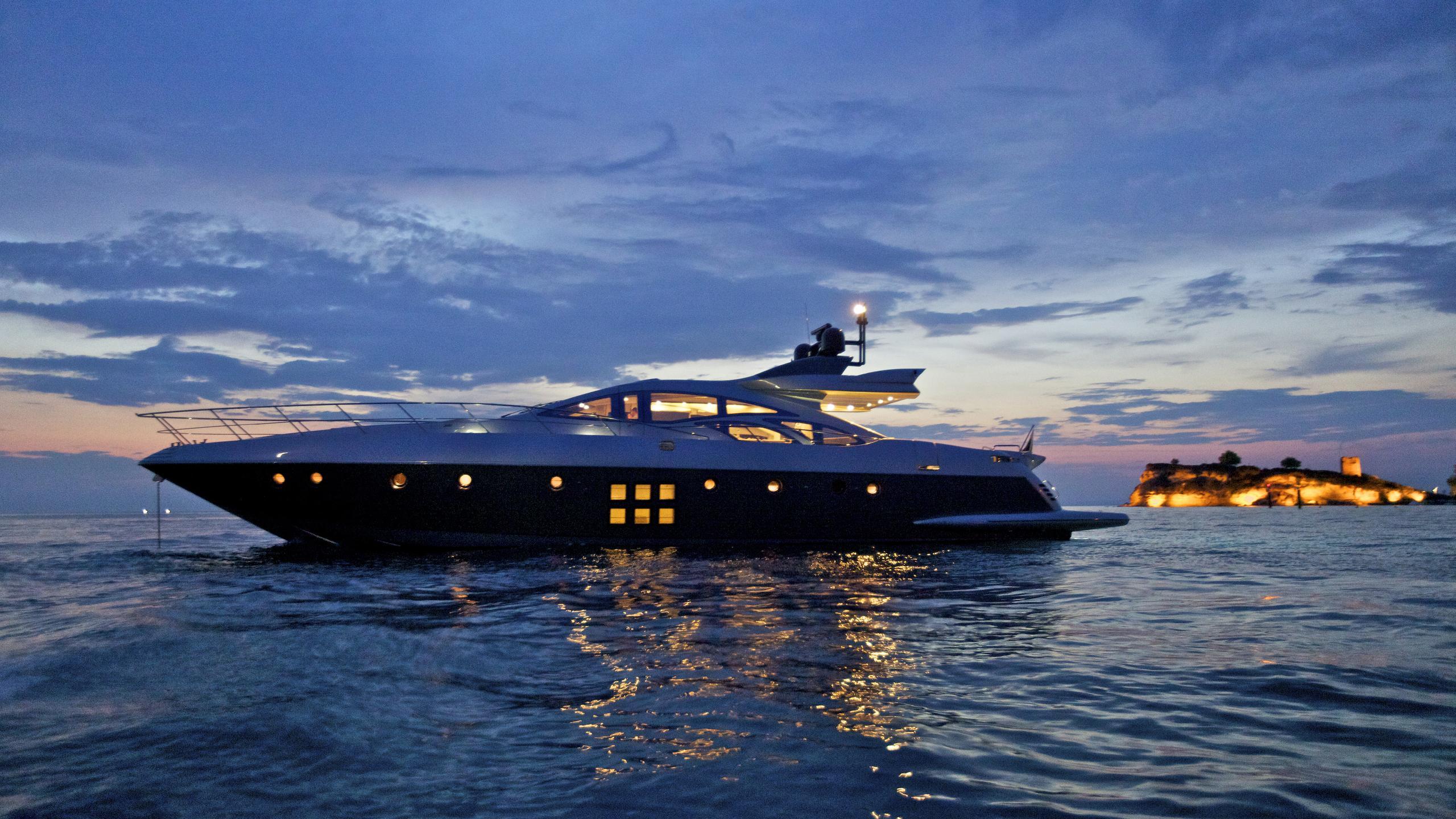 thea-malta-yacht-night-profile