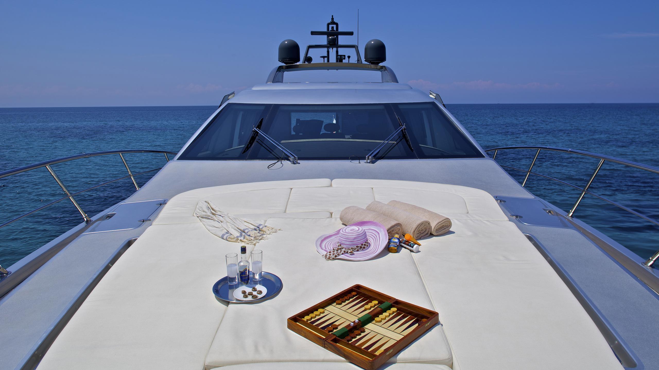 thea-malta-yacht-sunpads