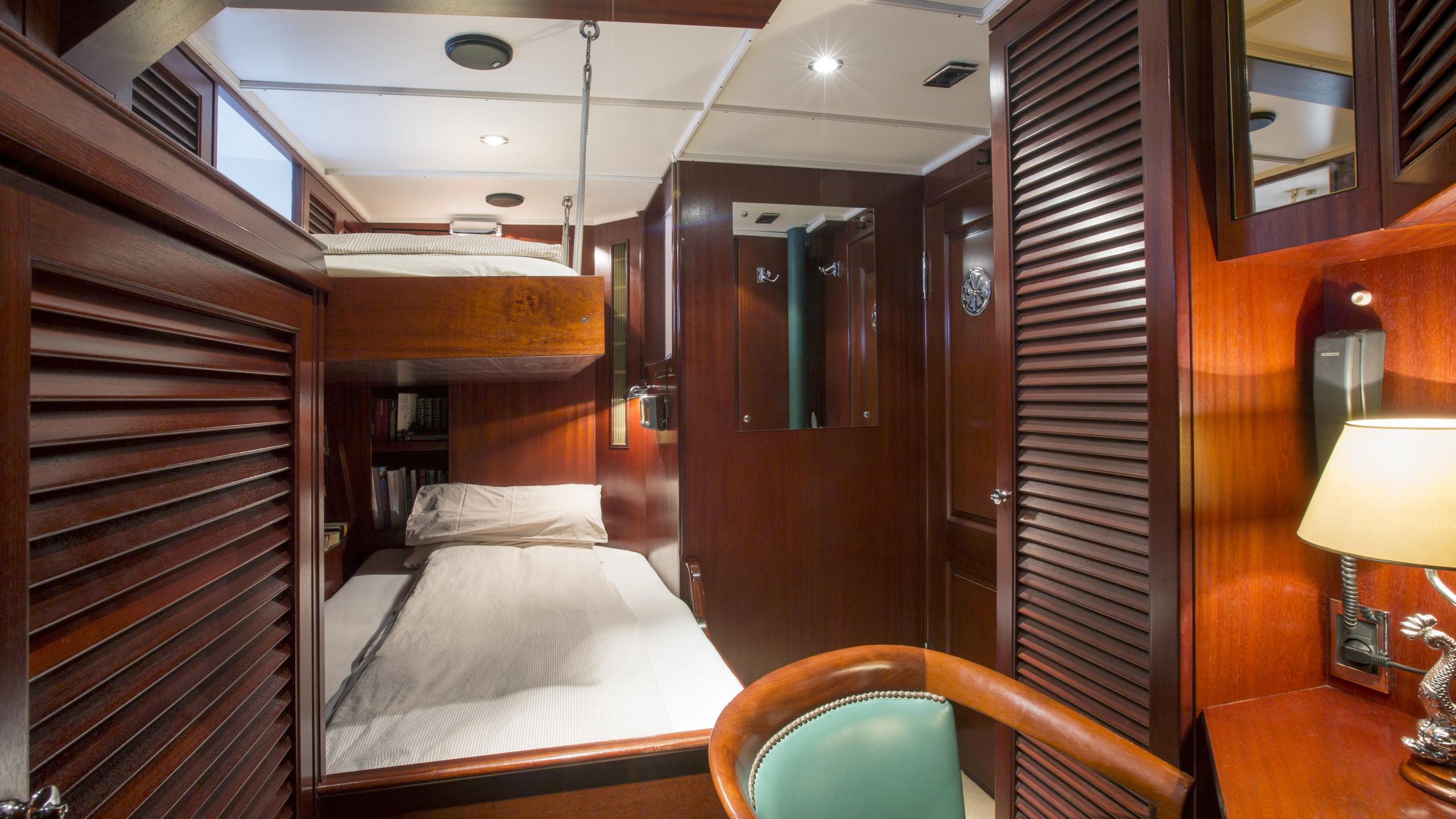 aschanti-iv-yacht-twin-cabin