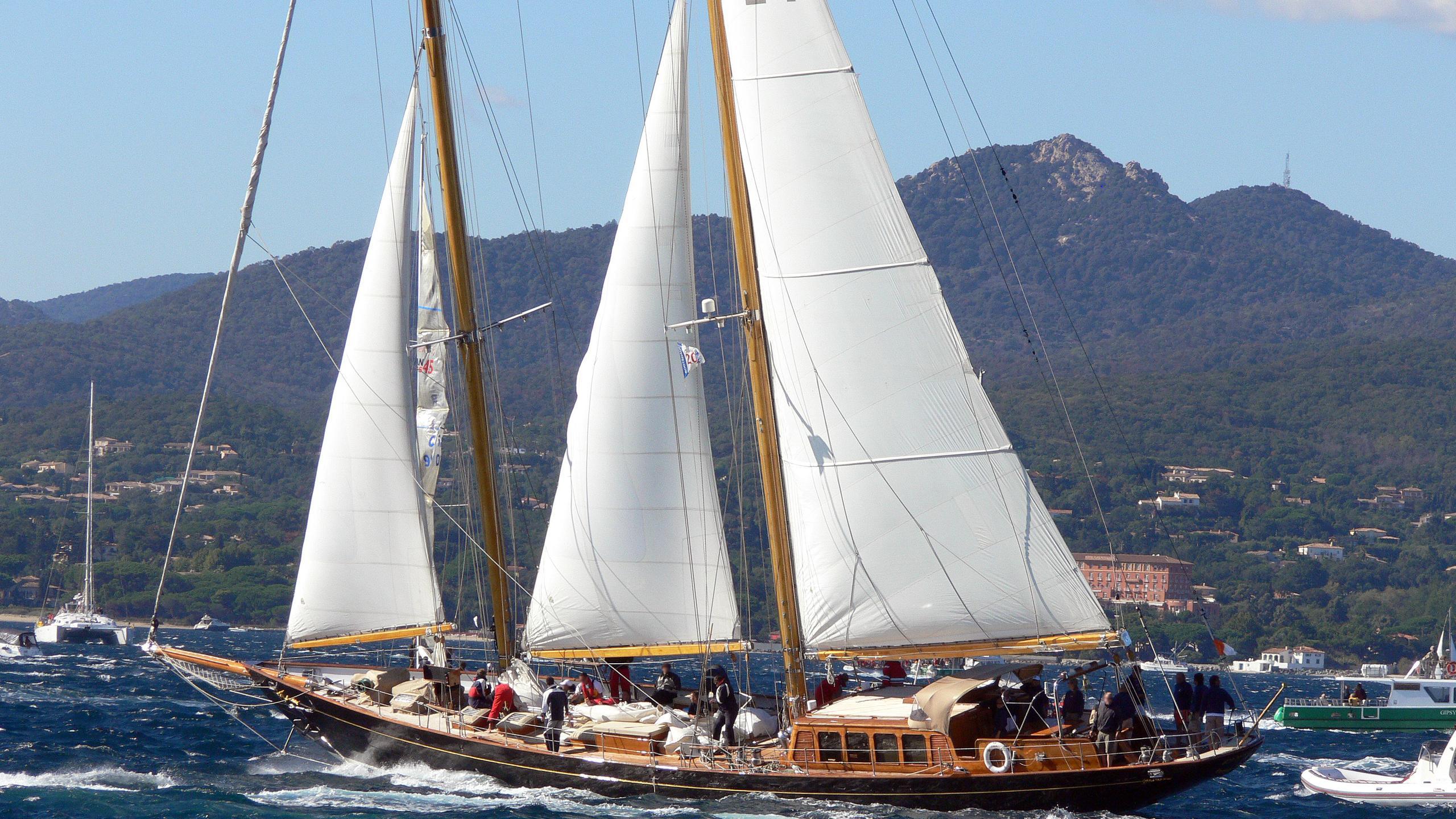 aschanti-iv-of-vegesack-yacht-exterior