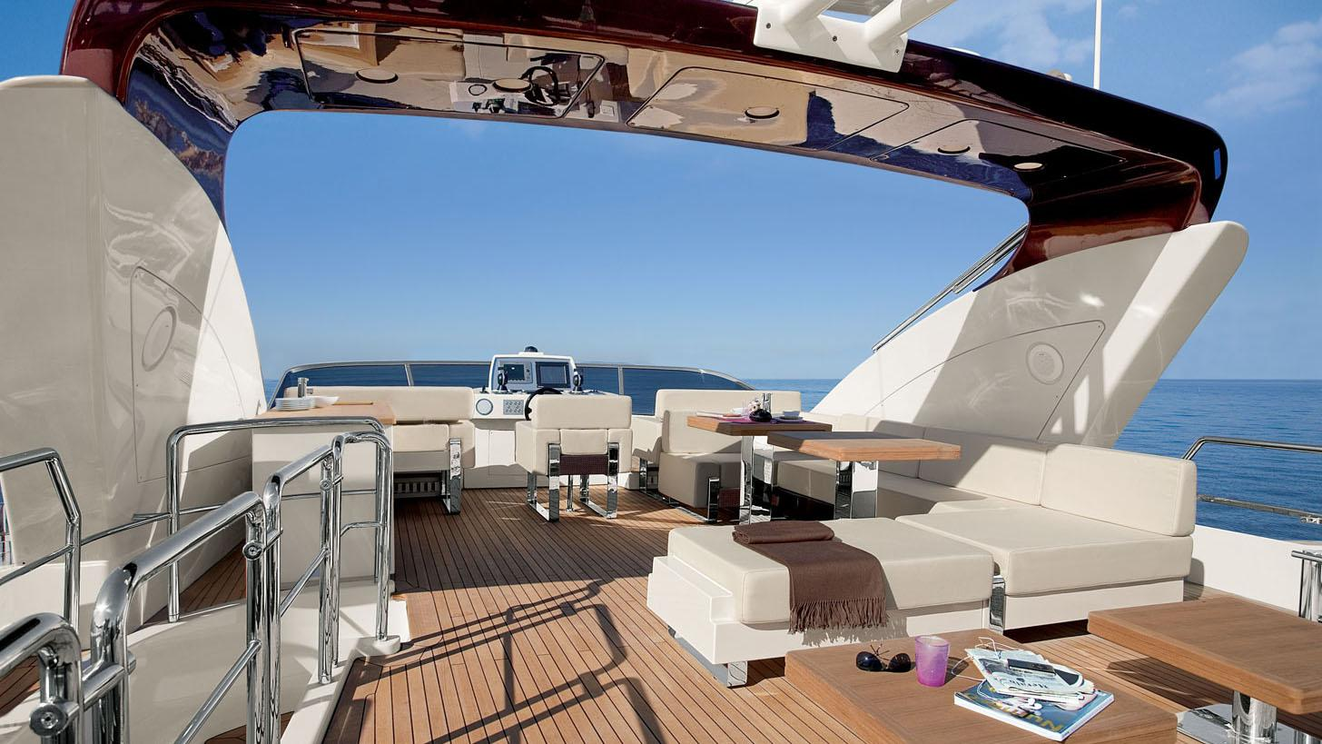azimut-103s-yacht-sun-deck
