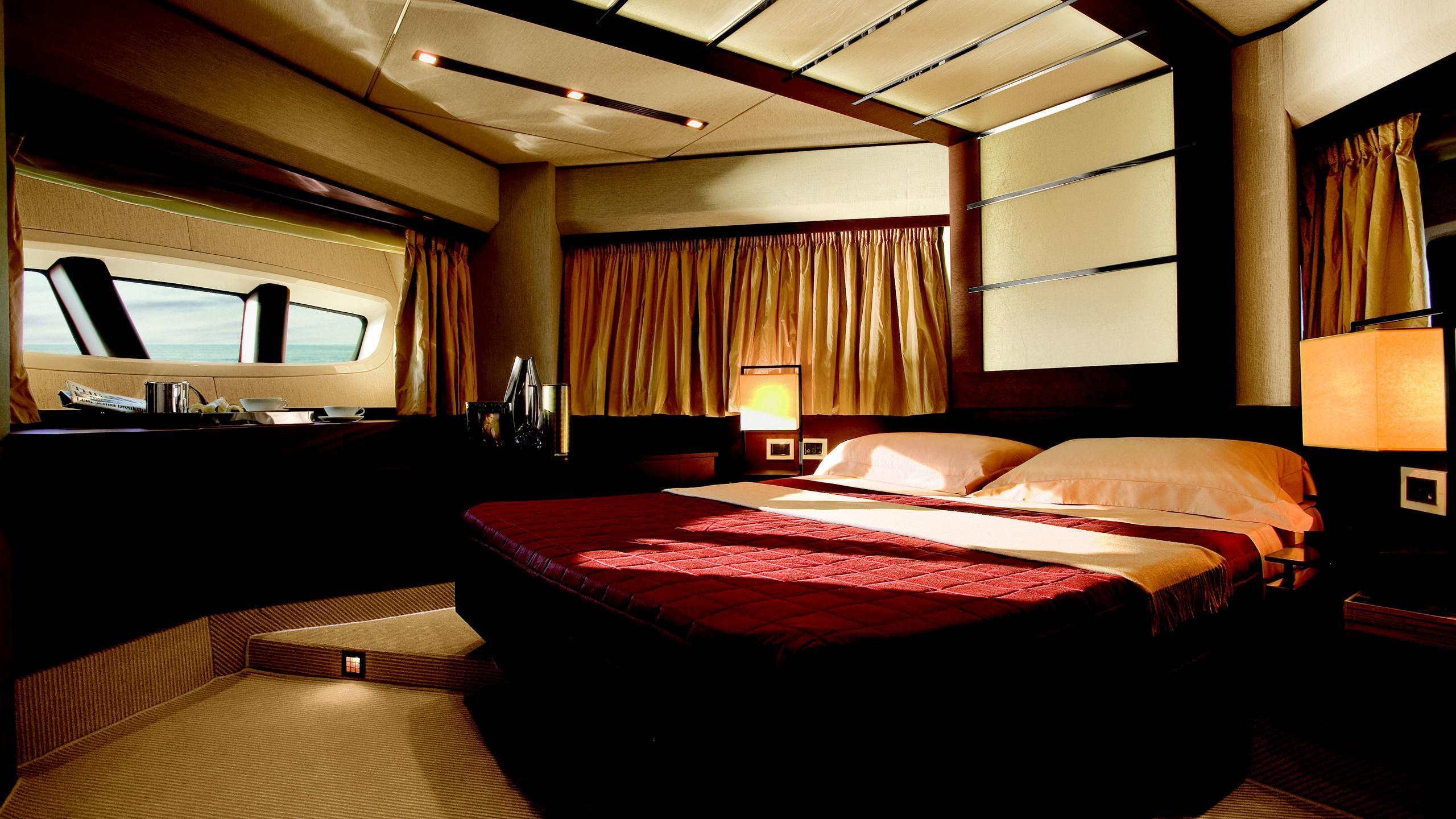 duke-yacht-double-cabin