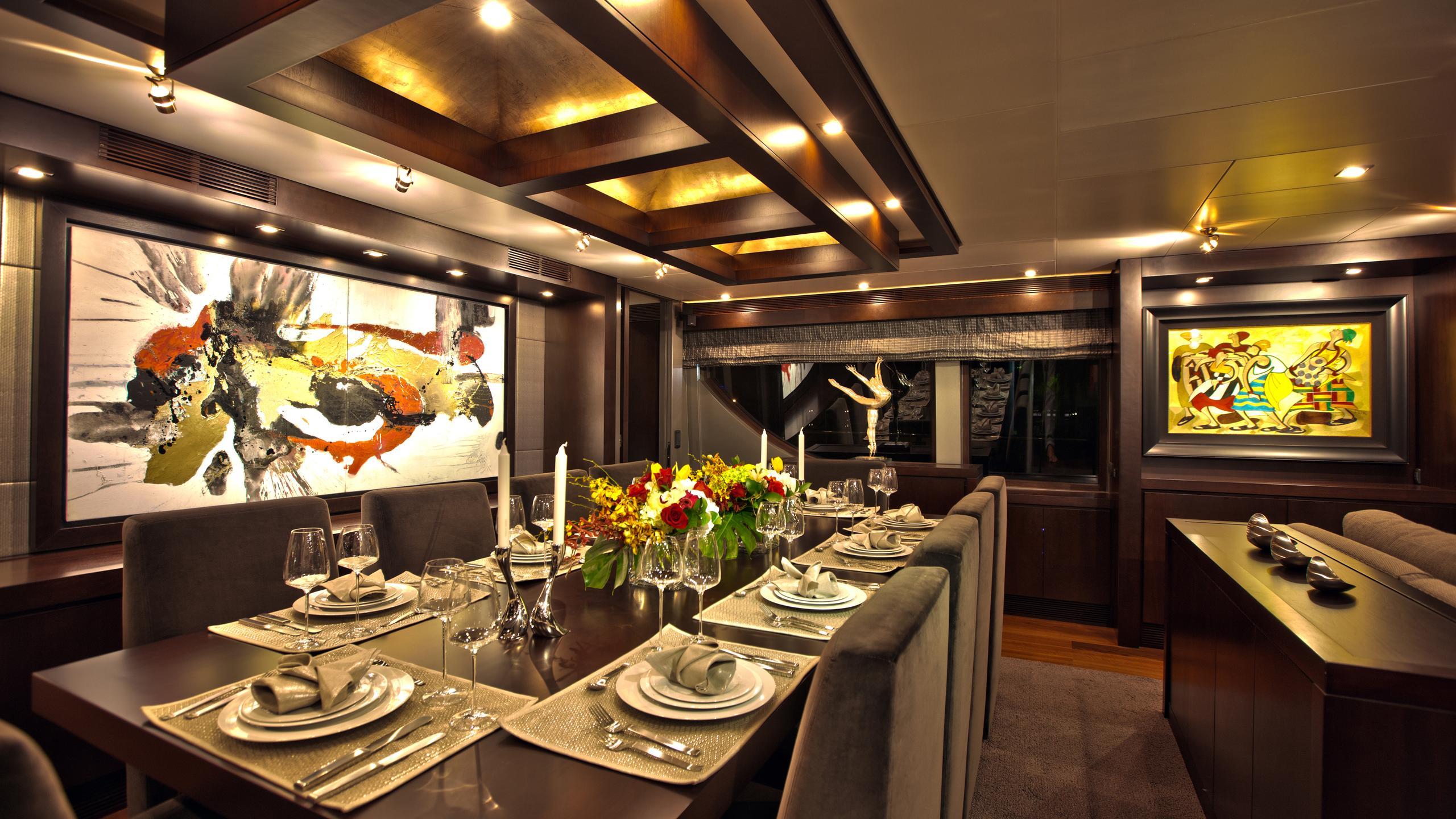 azimut-116-yacht-dining