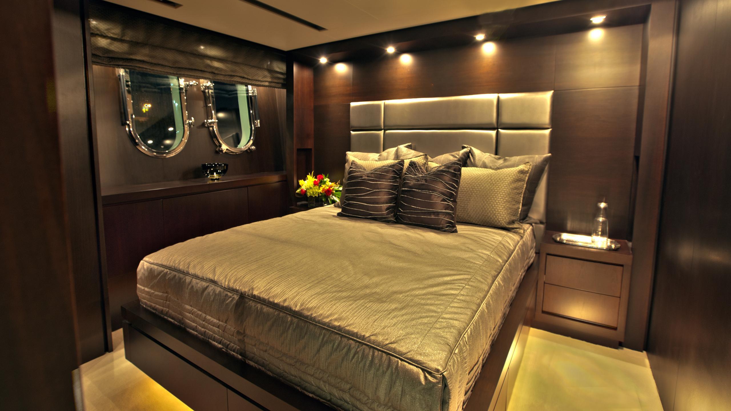 azimut-116-yacht-double-cabin