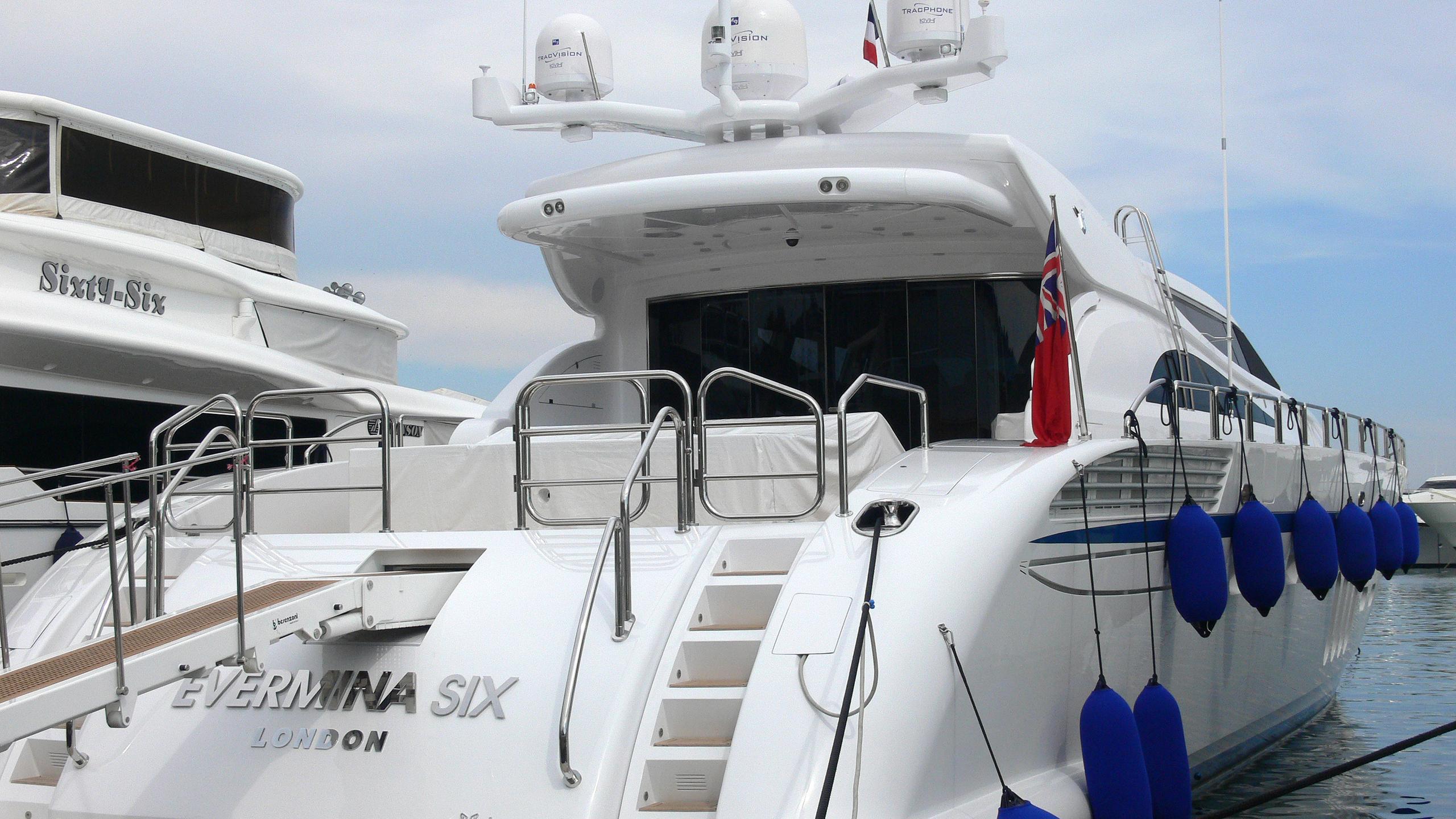 evermina-six-yacht-exterior