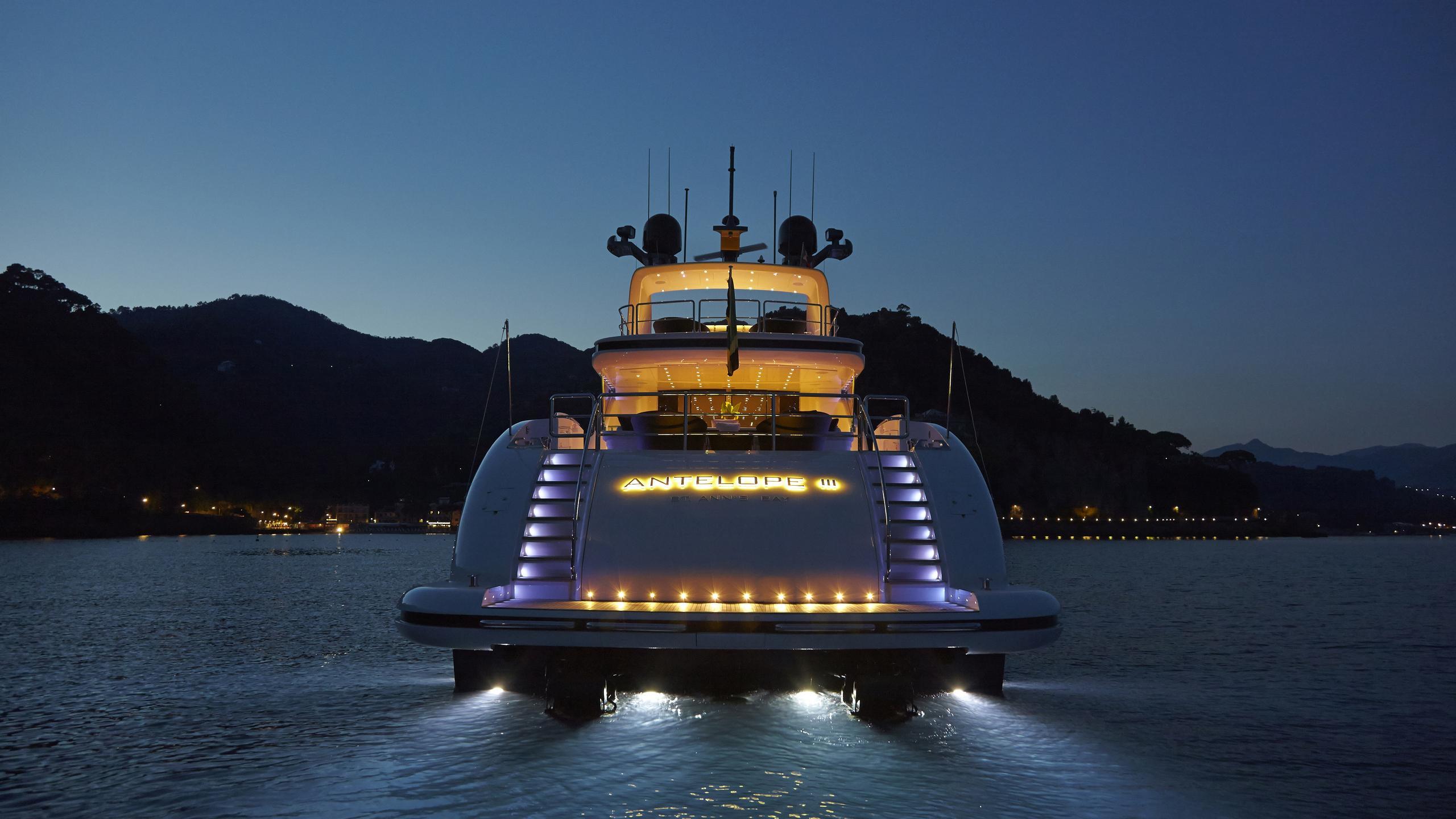 antelope-III-yacht-stern