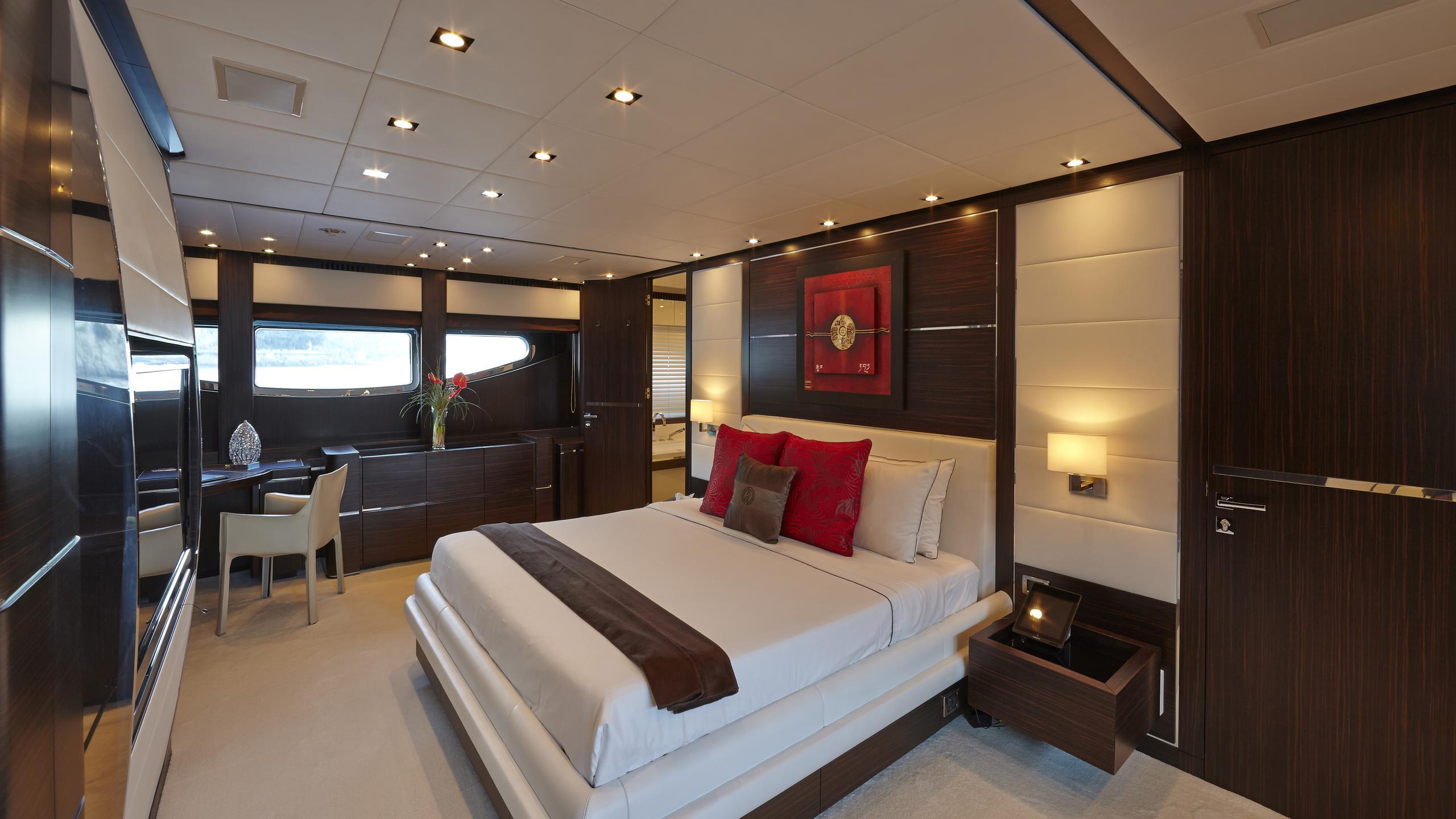 antelope-III-yacht-double-cabin