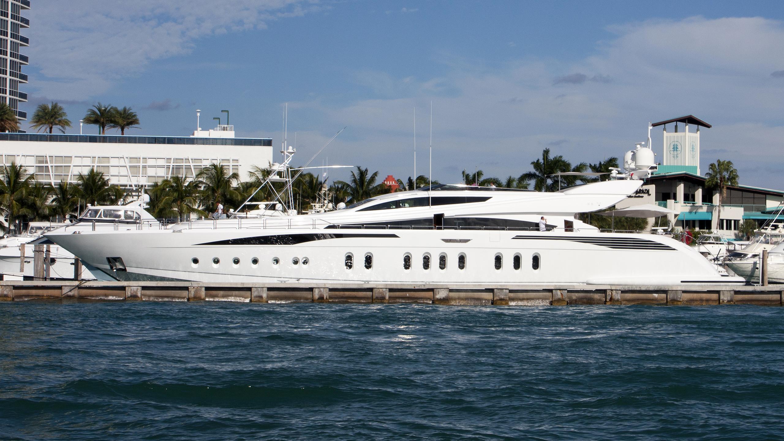 tutto-le-marrane-yacht-exterior