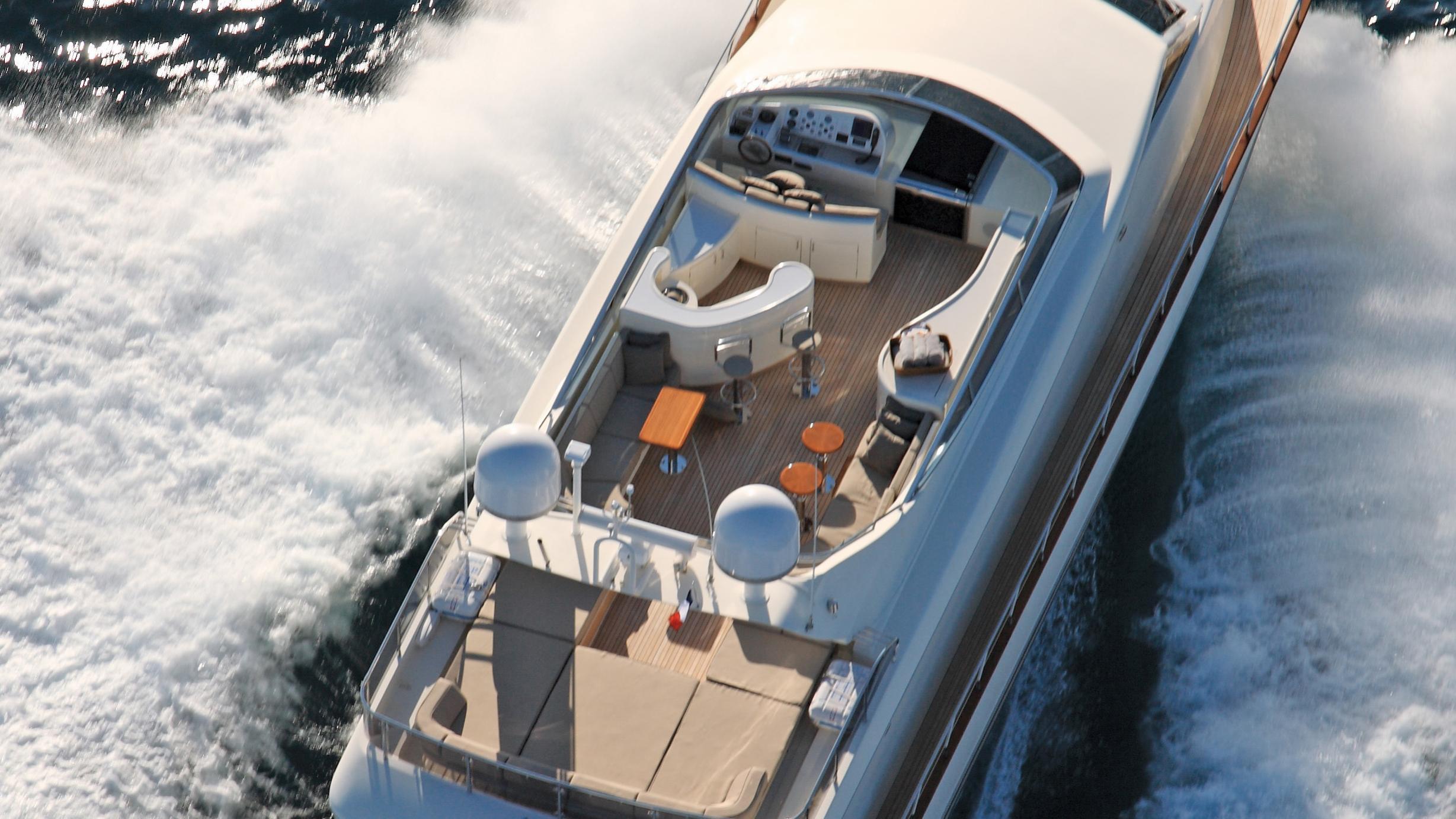 little-jems-yacht-aerial